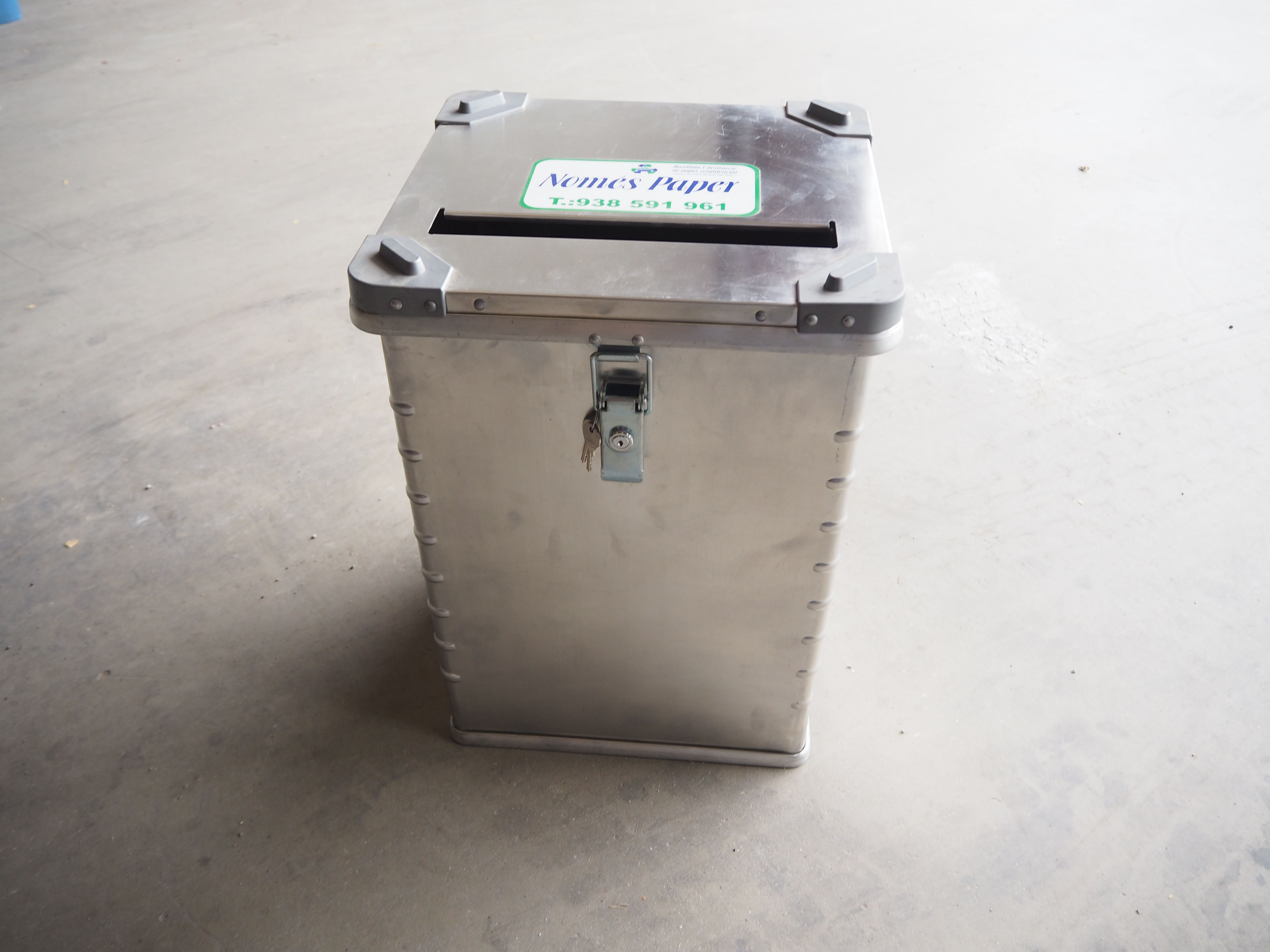 Contenedores para documentos destruidos