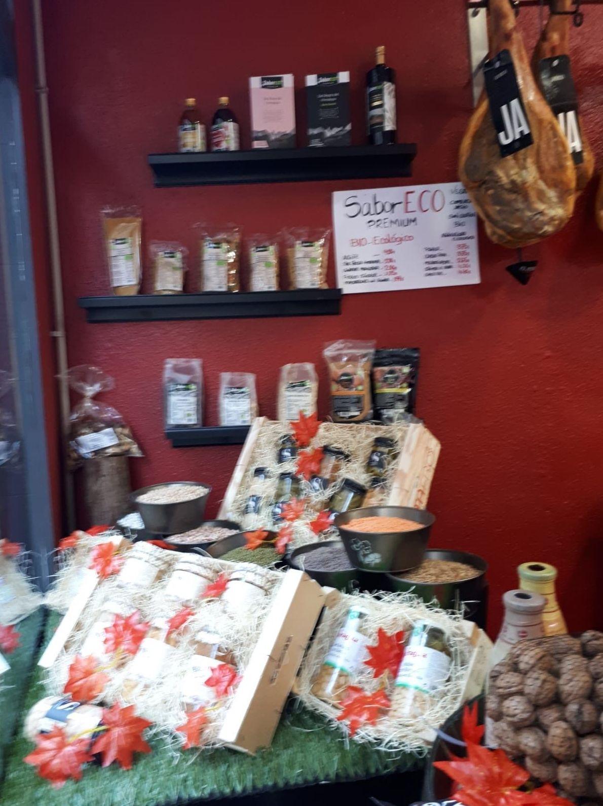 Foto 8 de Carnicería y charcutería en Zaragoza | Carnicería Charcutería Valero y Marimar