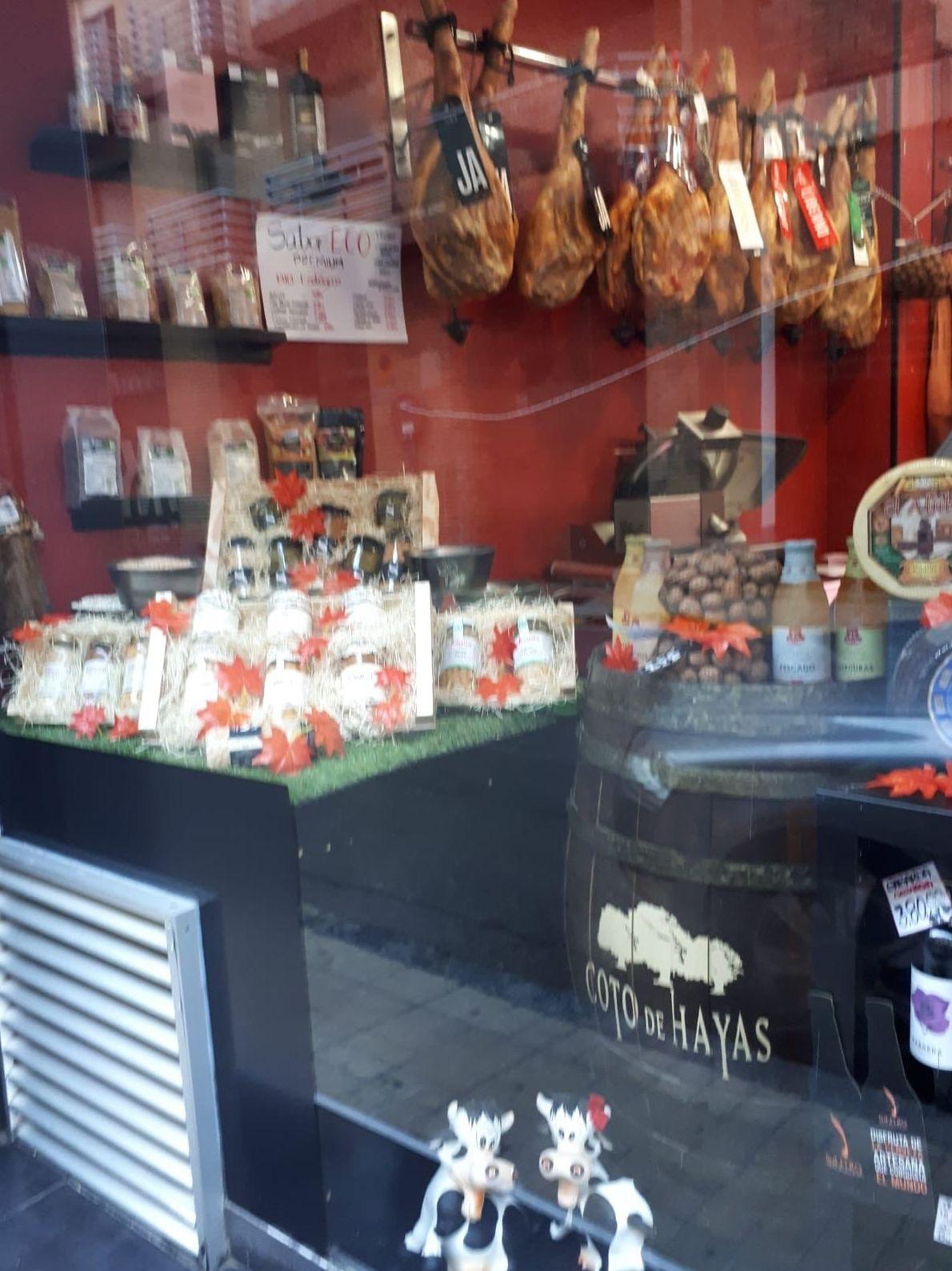 Foto 9 de Carnicería y charcutería en Zaragoza | Carnicería Charcutería Valero y Marimar