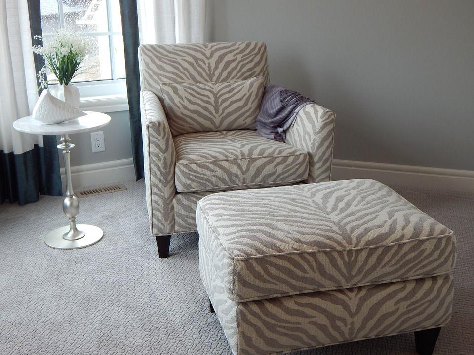 Servicio a domicilio: Servicios de Limpieza de sofás y sillones