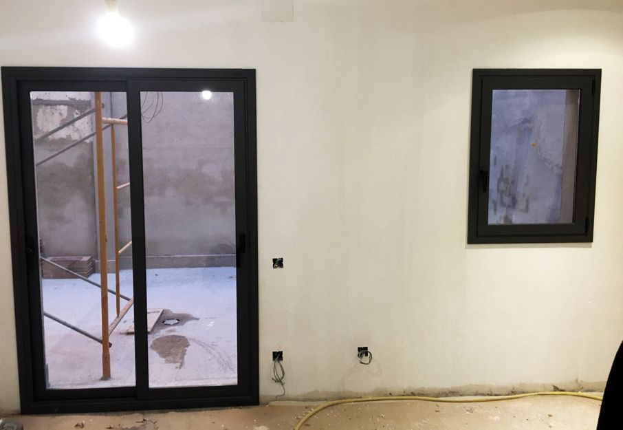 Foto 70 de Carpintería de aluminio, metálica y PVC en Viladecans | Cristalería Jiménez