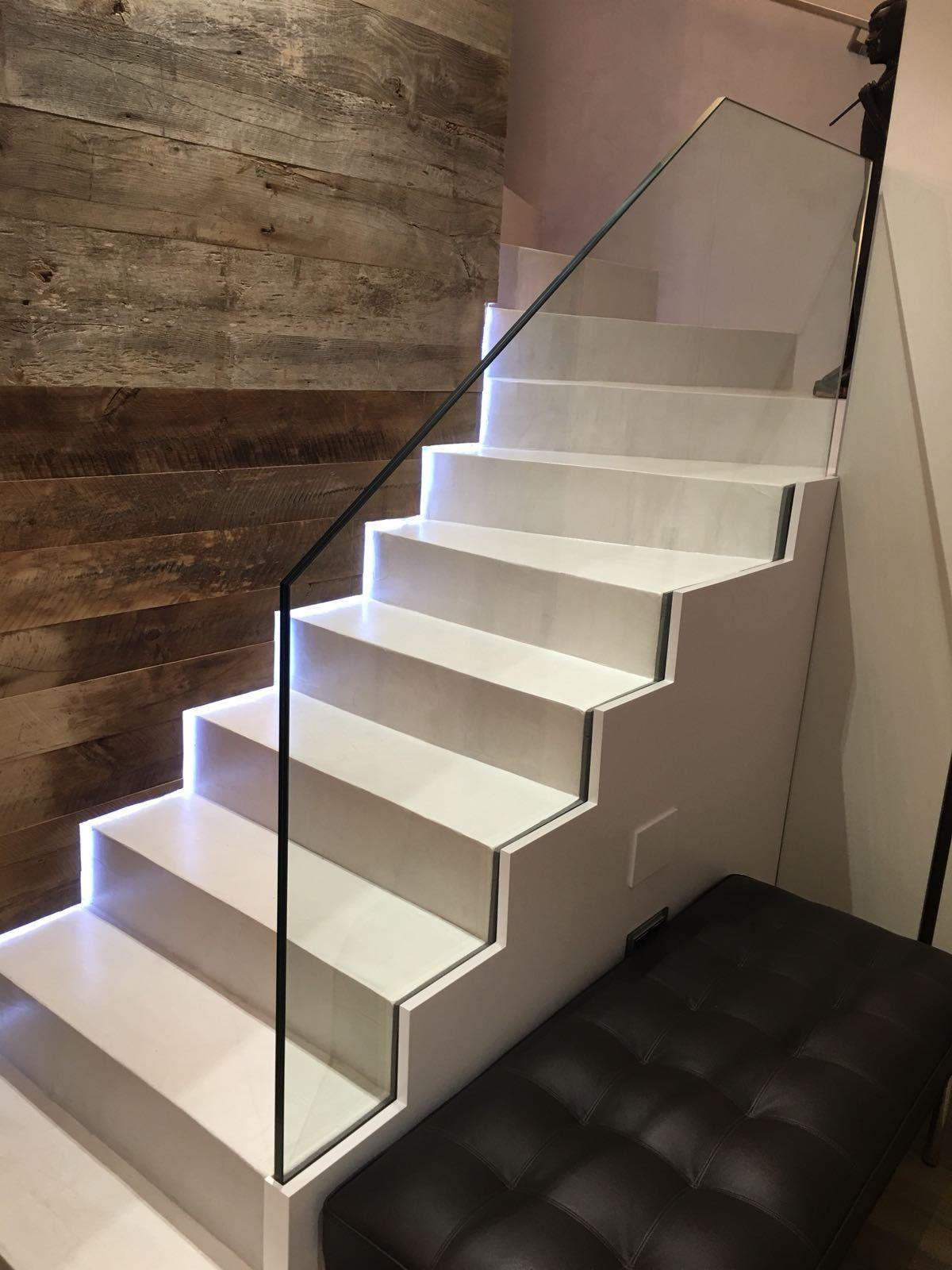 Escaleras metálicas: Productos y servicios de Cristalería Jiménez