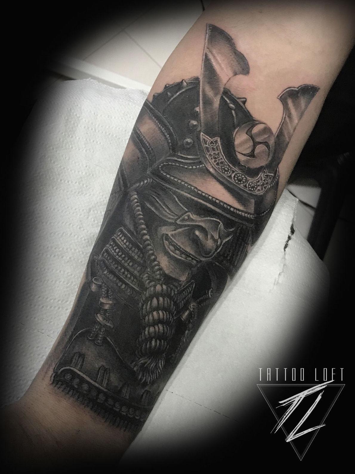 Foto 10 de Estudio artístico de tatuaje en  | Tattoo Loft