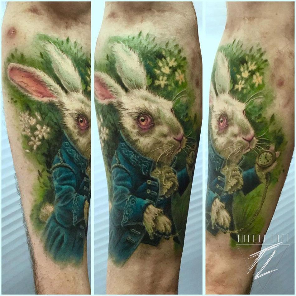Tatuaje conejo a color Carabanchel