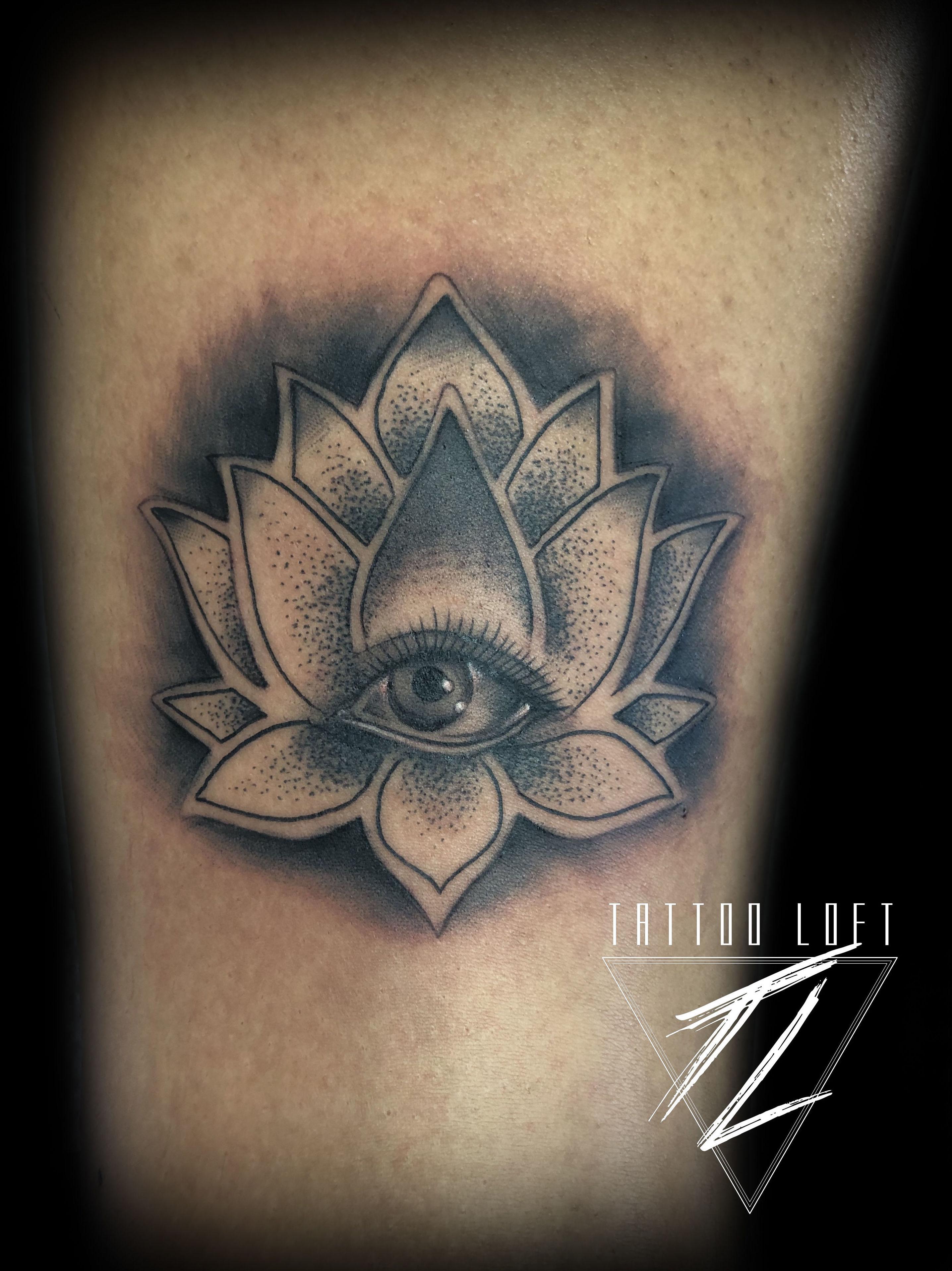 Foto 68 de Estudio artístico de tatuaje en  | Tattoo Loft