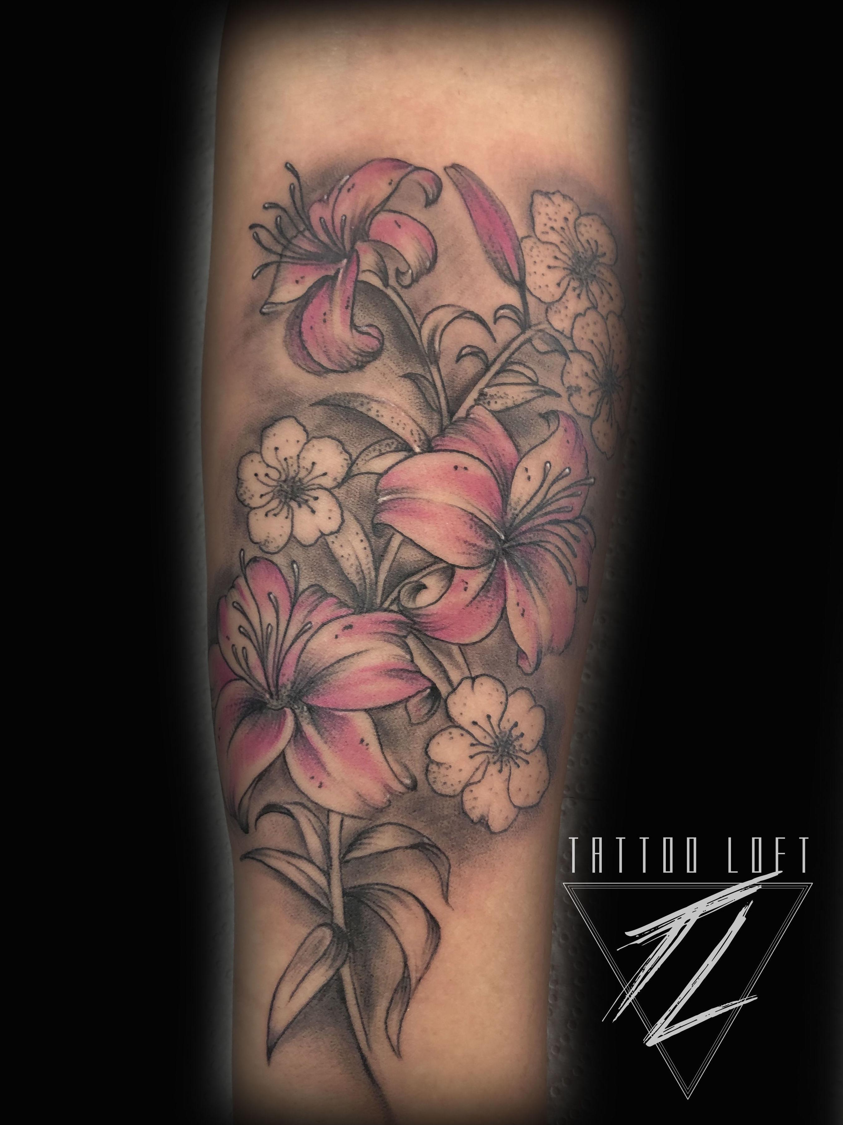 Tatuaje flores Carabanchel
