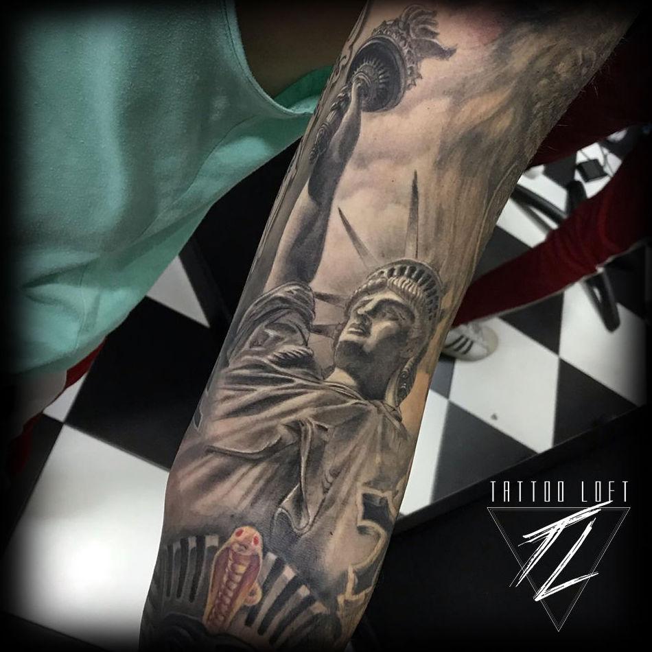Foto 61 de Estudio artístico de tatuaje en  | Tattoo Loft