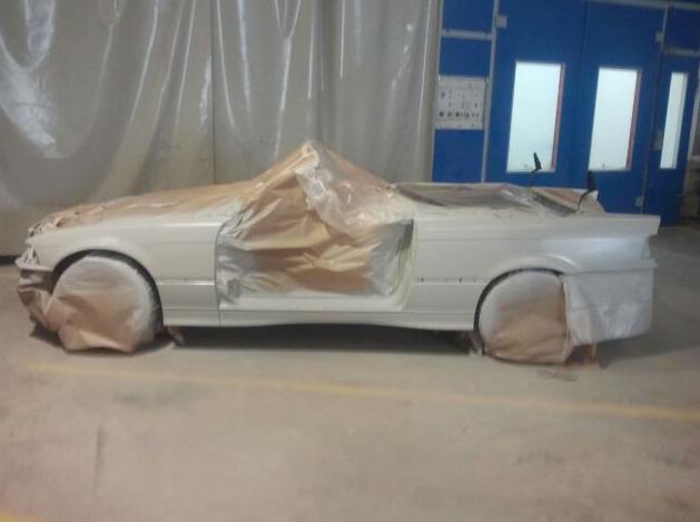 Proceso de pintado de automóvil en Pilar de la Horadada