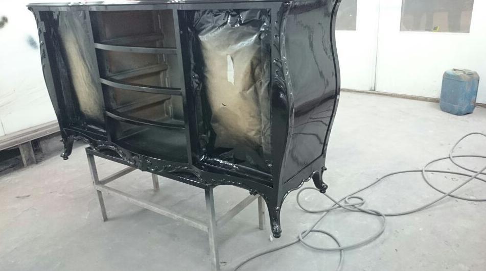Restauración y pintura de mueble