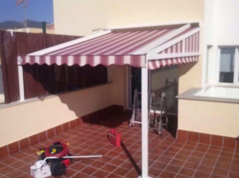 Foto 52 de toldos y p rgolas en el sobradillo toldos for Toldos para patios interiores