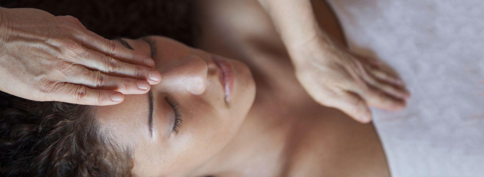 Reflexología facial: Servicios y productos de Centro de Salud y Estética Mara