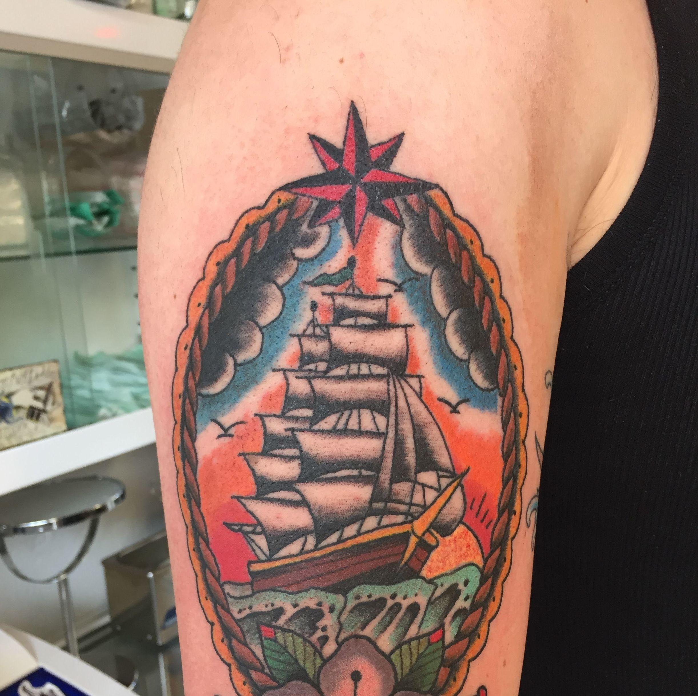 Foto 76 de Especialistas en tatuaje en A Coruña en A Coruña   Sailors Tattoo Family