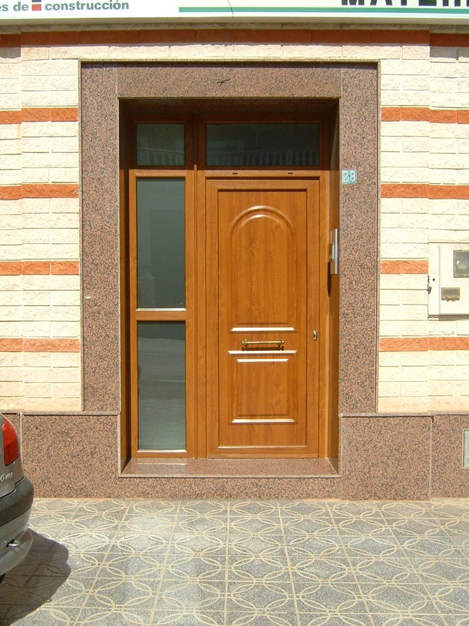 Puerta principal (modelo ip6, imitacion madera, roble dorado)