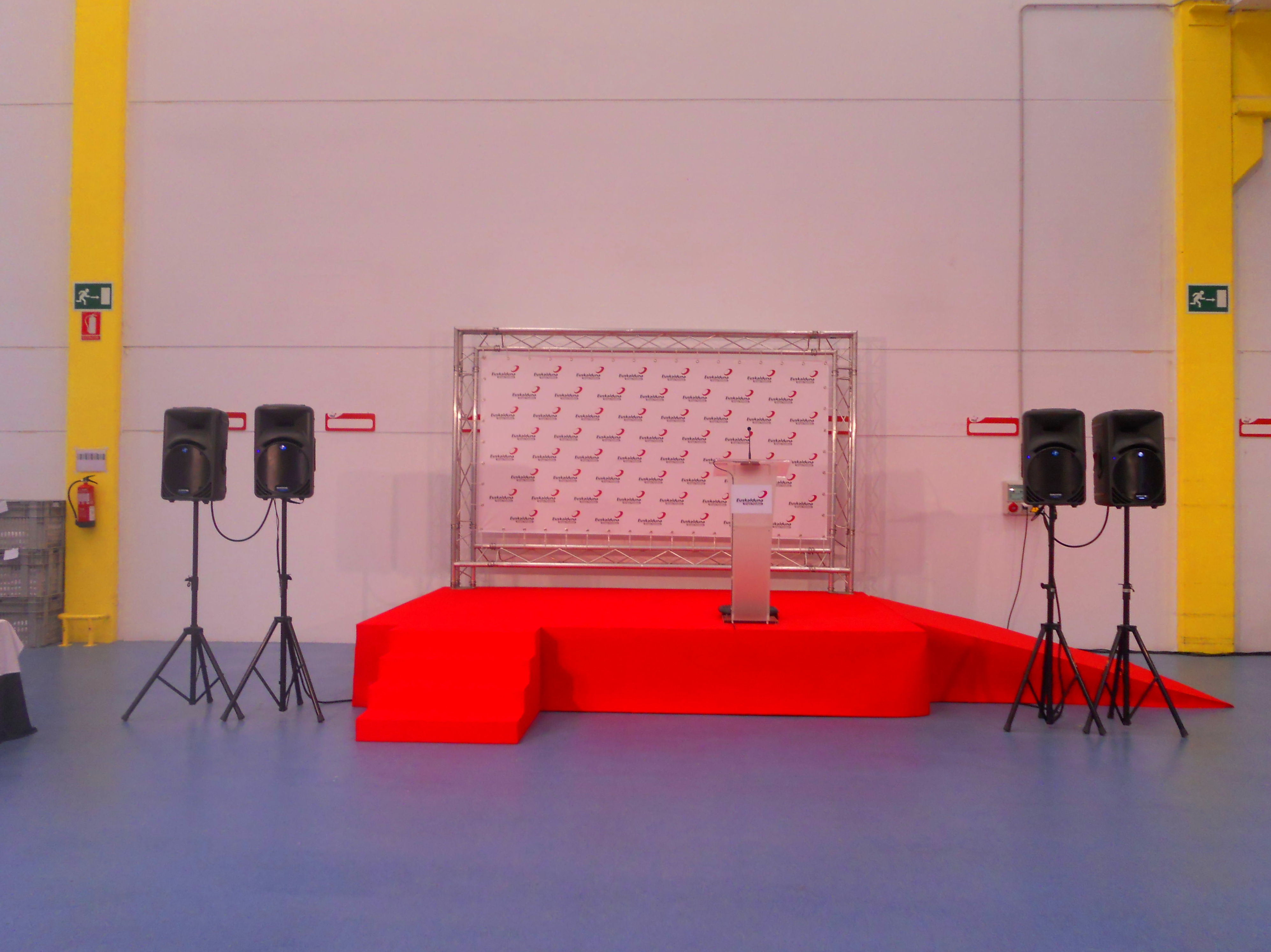 Photocall, escenario, sonido, atril