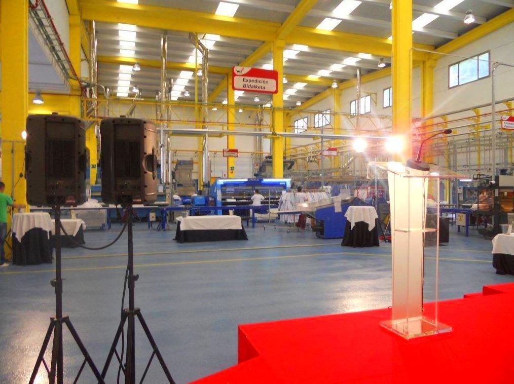 Eventos de empresa: sonido, escenario, atril, iluminación