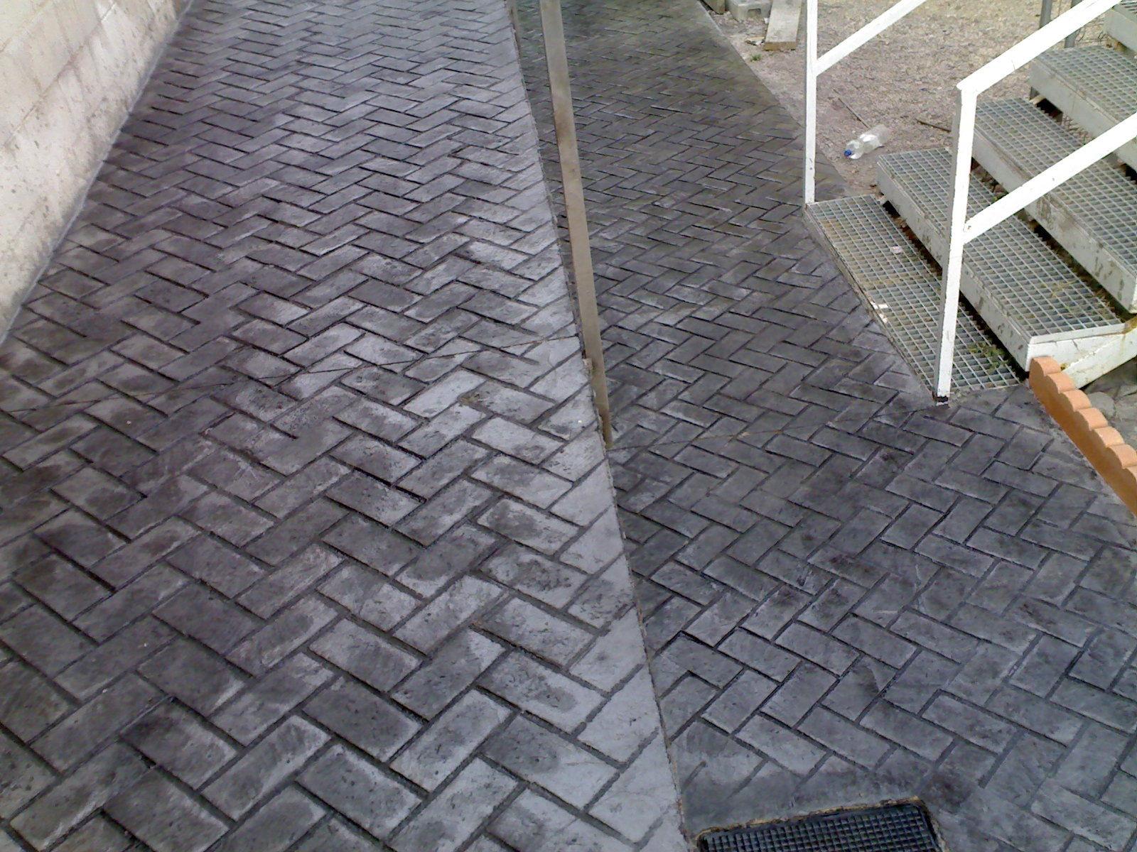 Pavimento impreso morcret estampado espiga cat logo for Productos para hormigon impreso