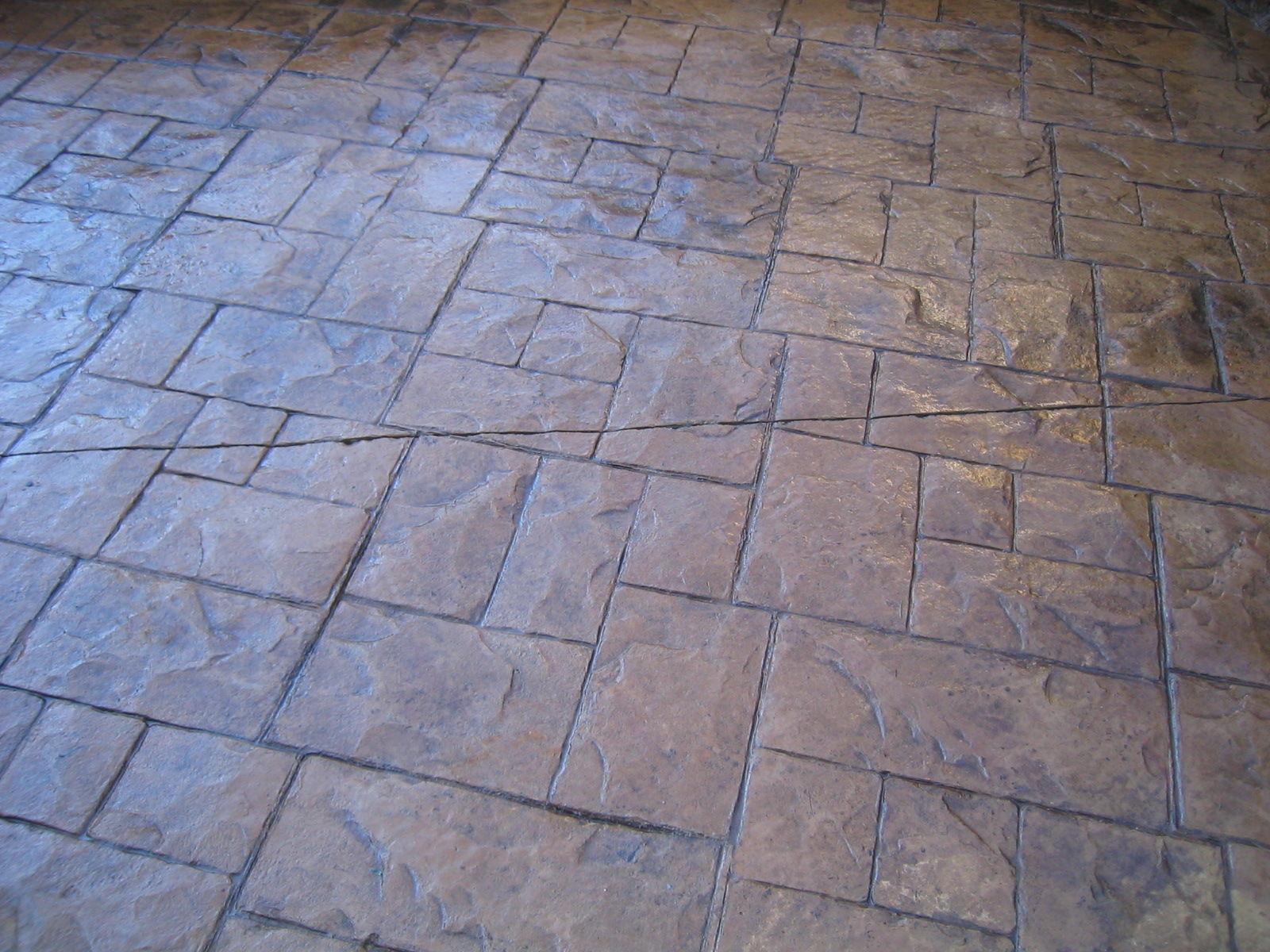 Estampado pizarra silleria sobre impreso pavimento morcret for Hormigon encerado sobre suelo de baldosas