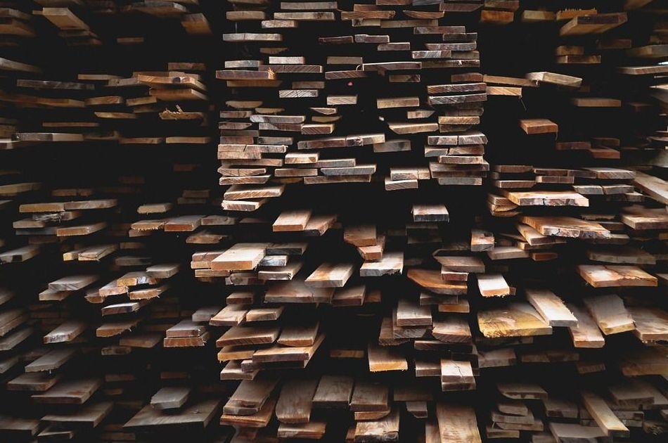 Almacén de maderas en Asturias
