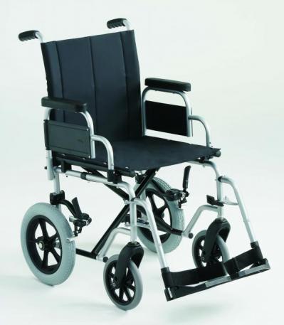 Silla de ruedas con chasis de acero plegable