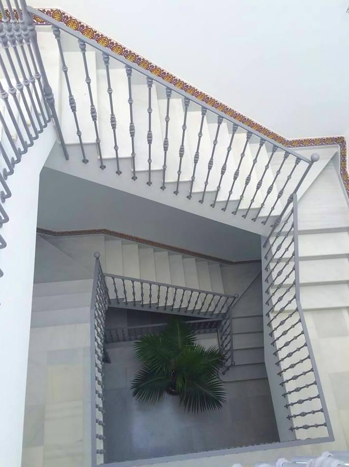espectacular escaleras,4 tramos Blanco macael