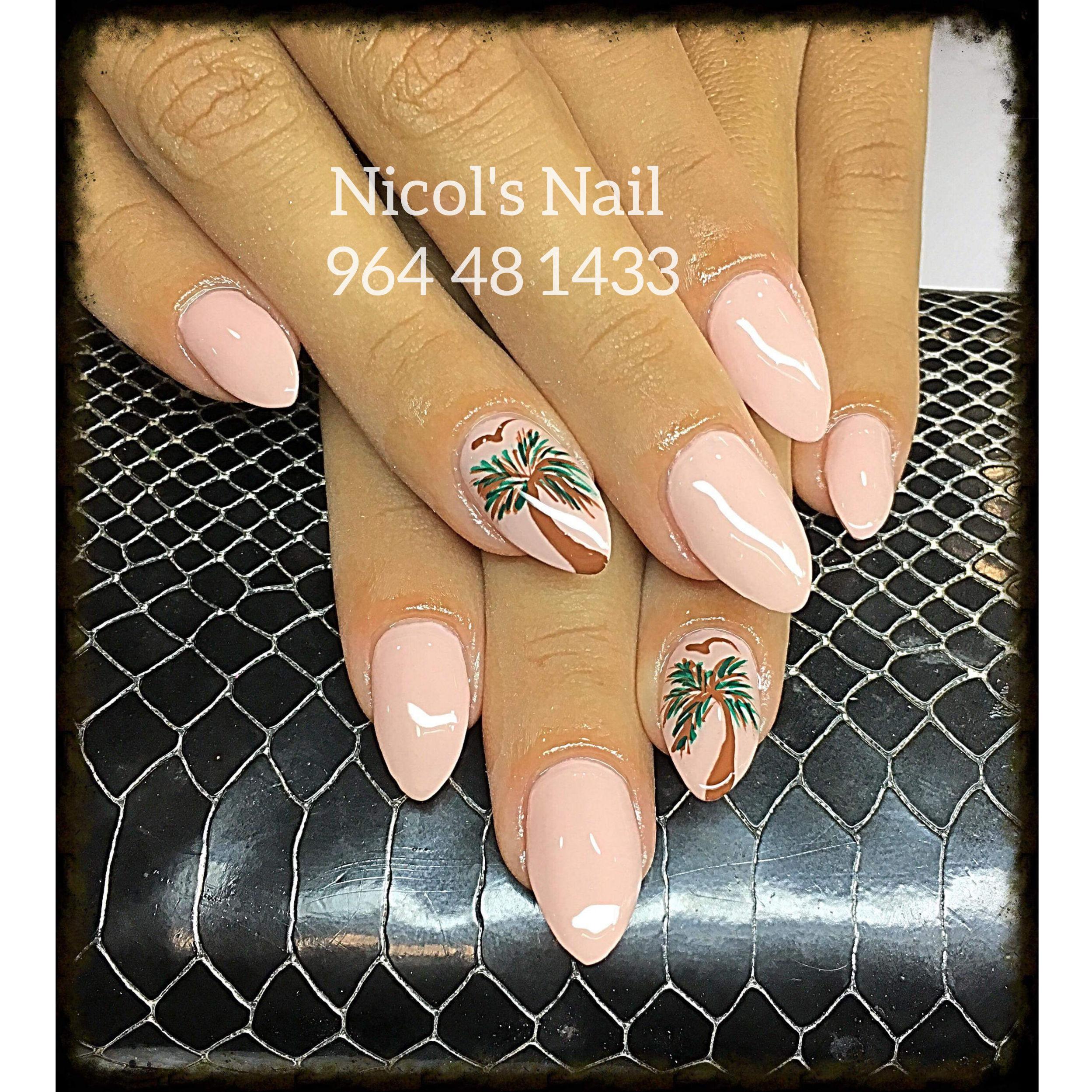 Uñas de gel Nicol's