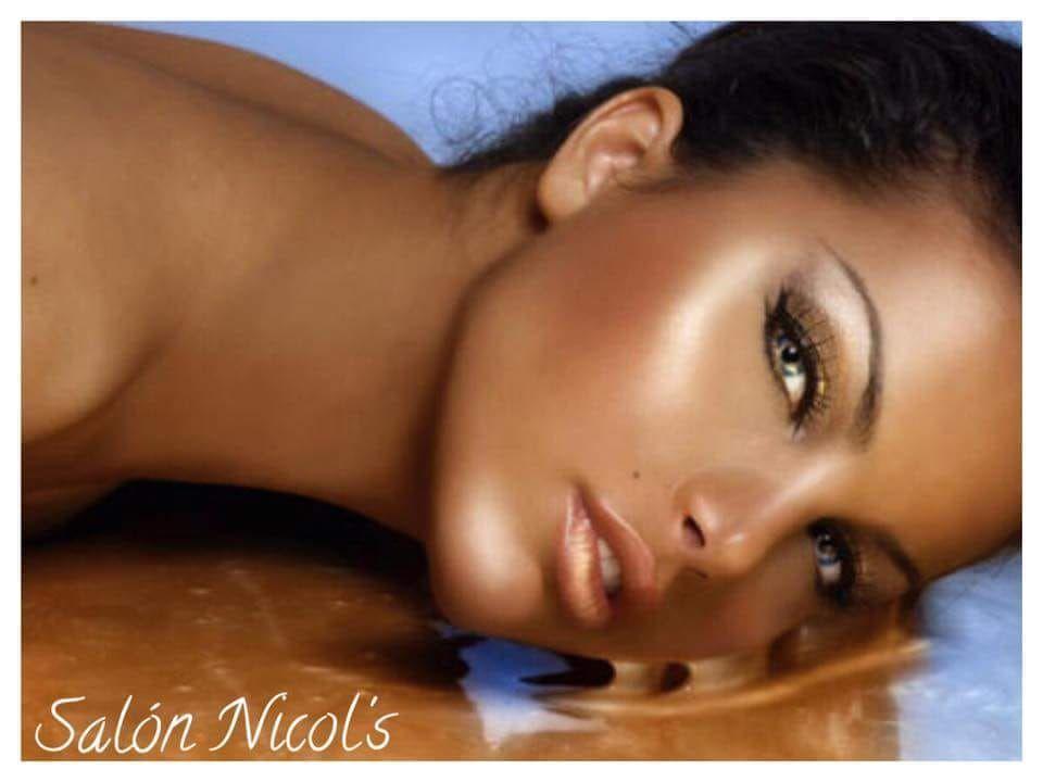Rayos Uva: Servicios de Salón de Belleza Nicol's