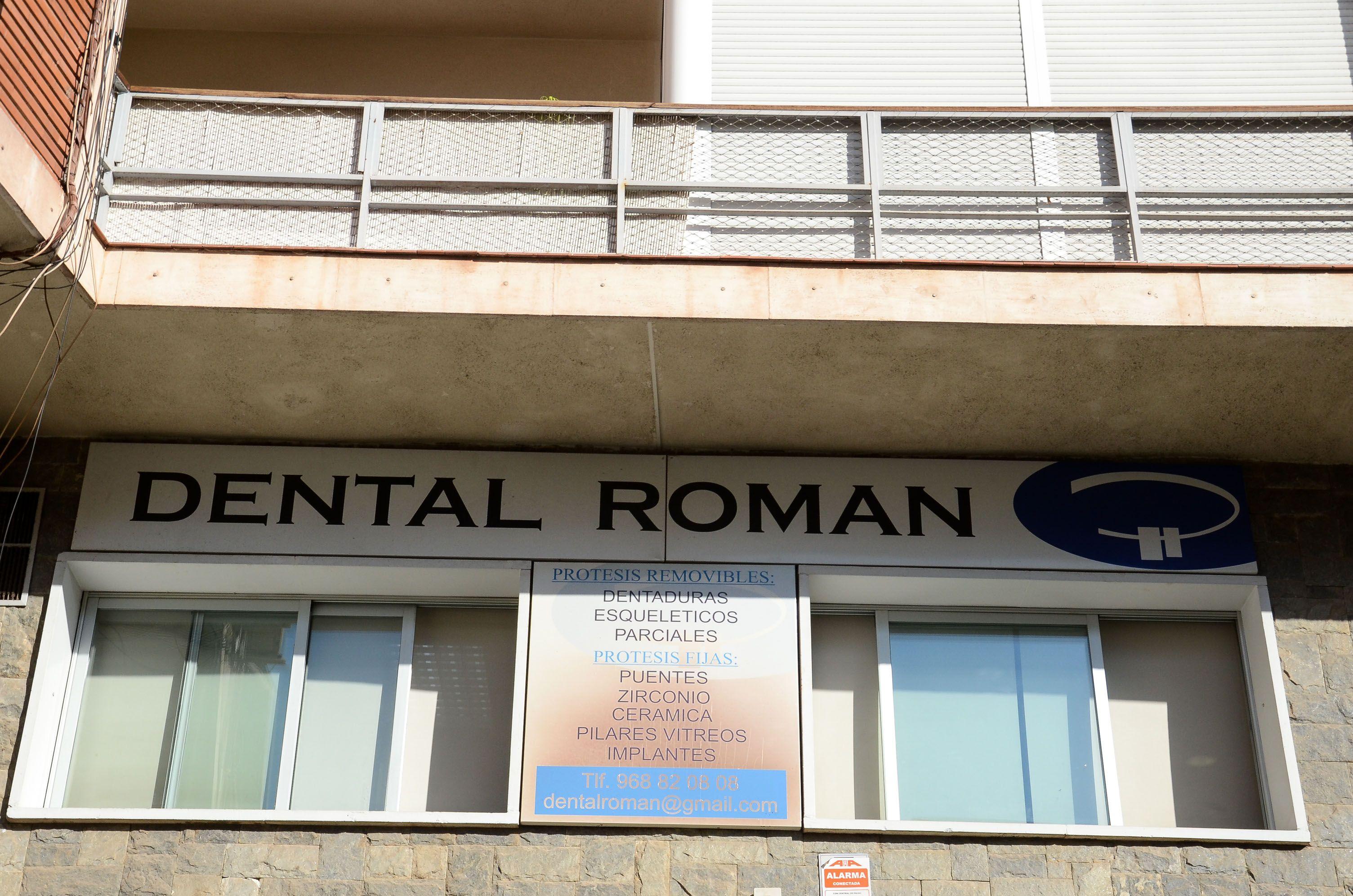 Rótulo de Dental Roman