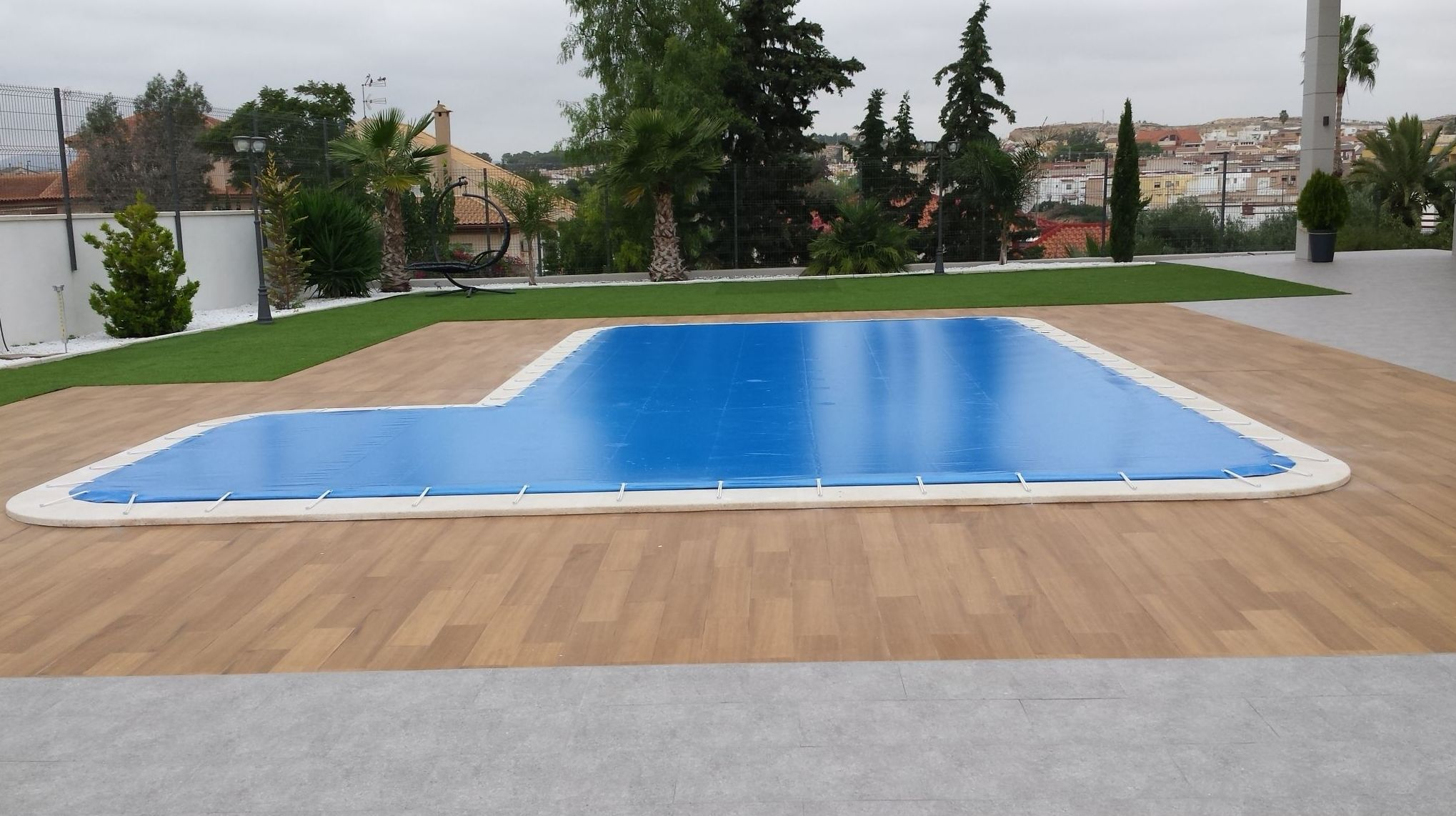 Instalación de lonas para piscinas