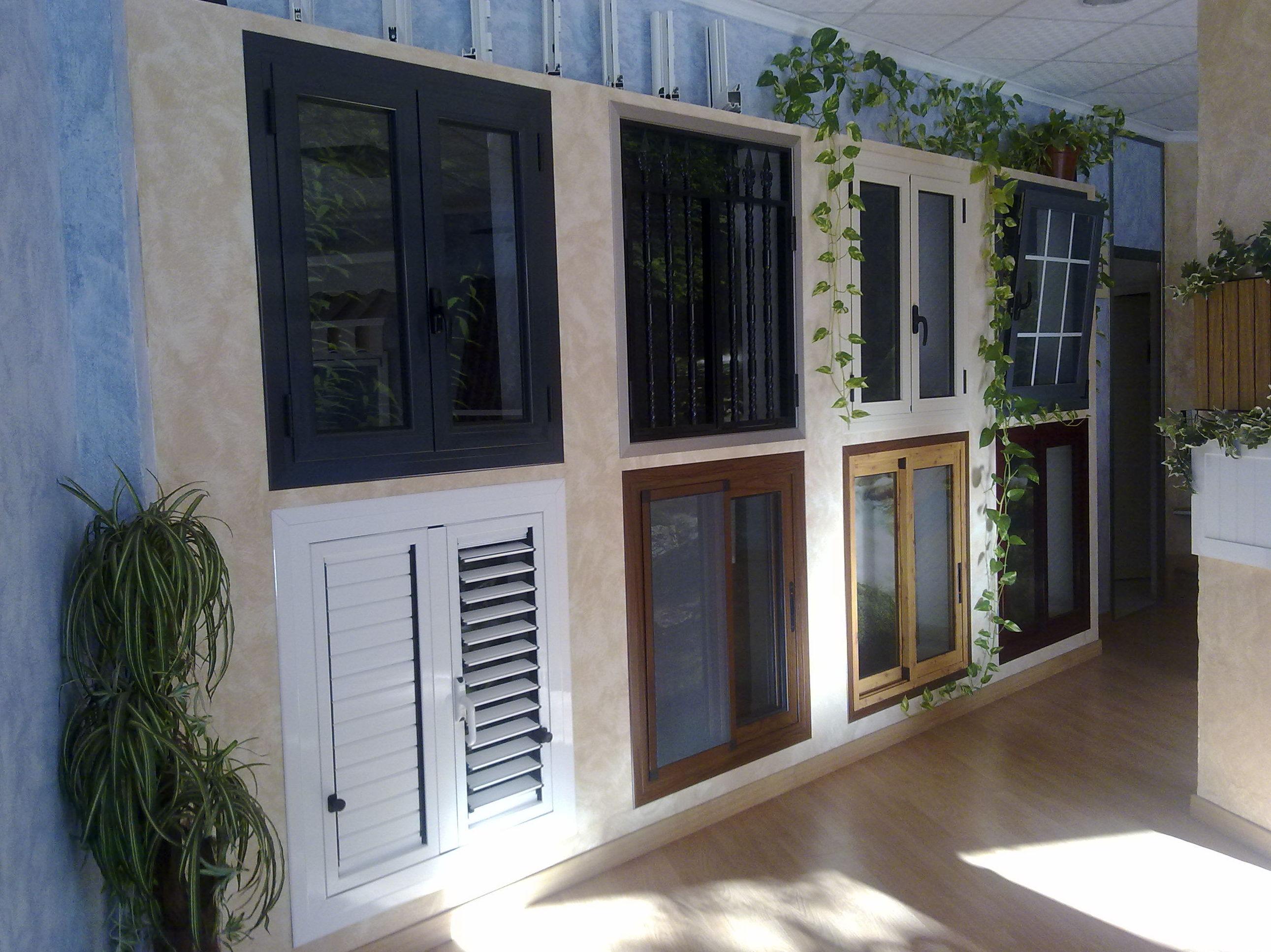 Exposición de ventanas de aluminio