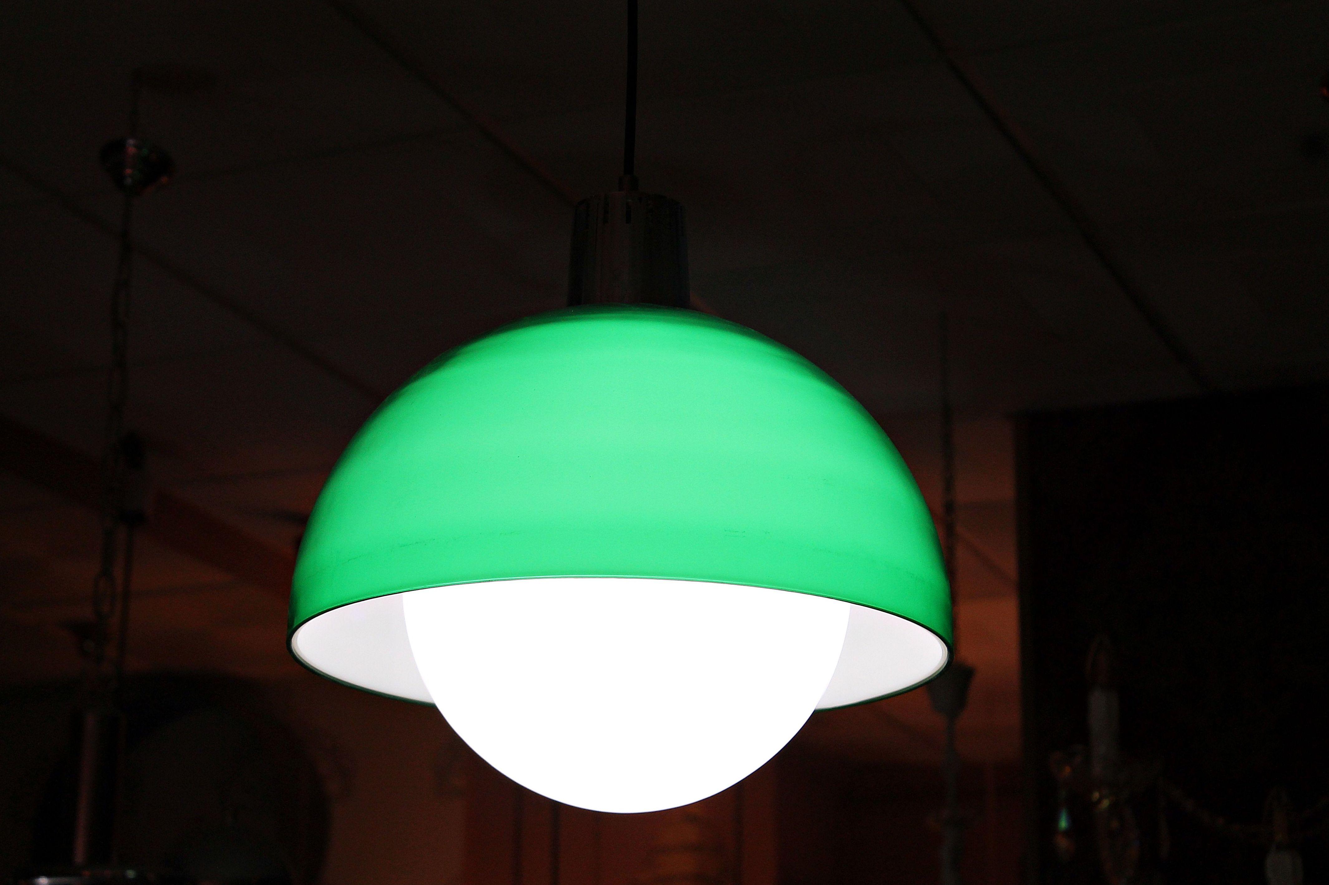 Lámpara verde de ABS y opalina: Artículos  de Ruzafa Vintage