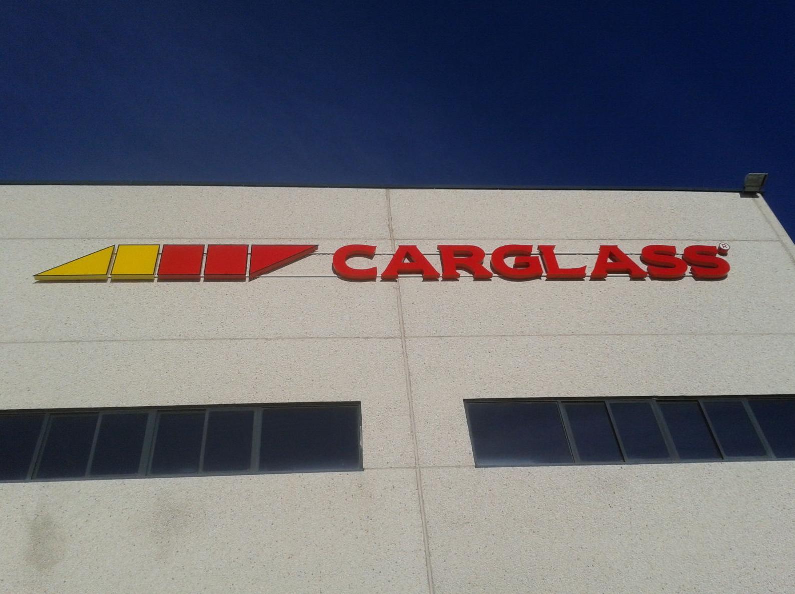 Instalación de rótulo corpóreo para Carglas