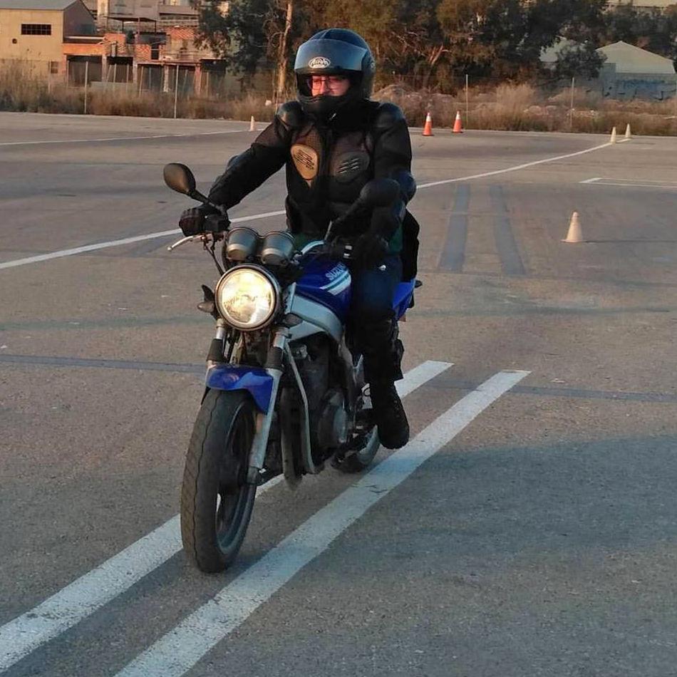 Clases prácticas de conducir motos