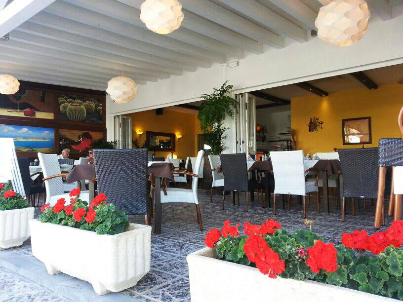 Restaurant with heated terrace