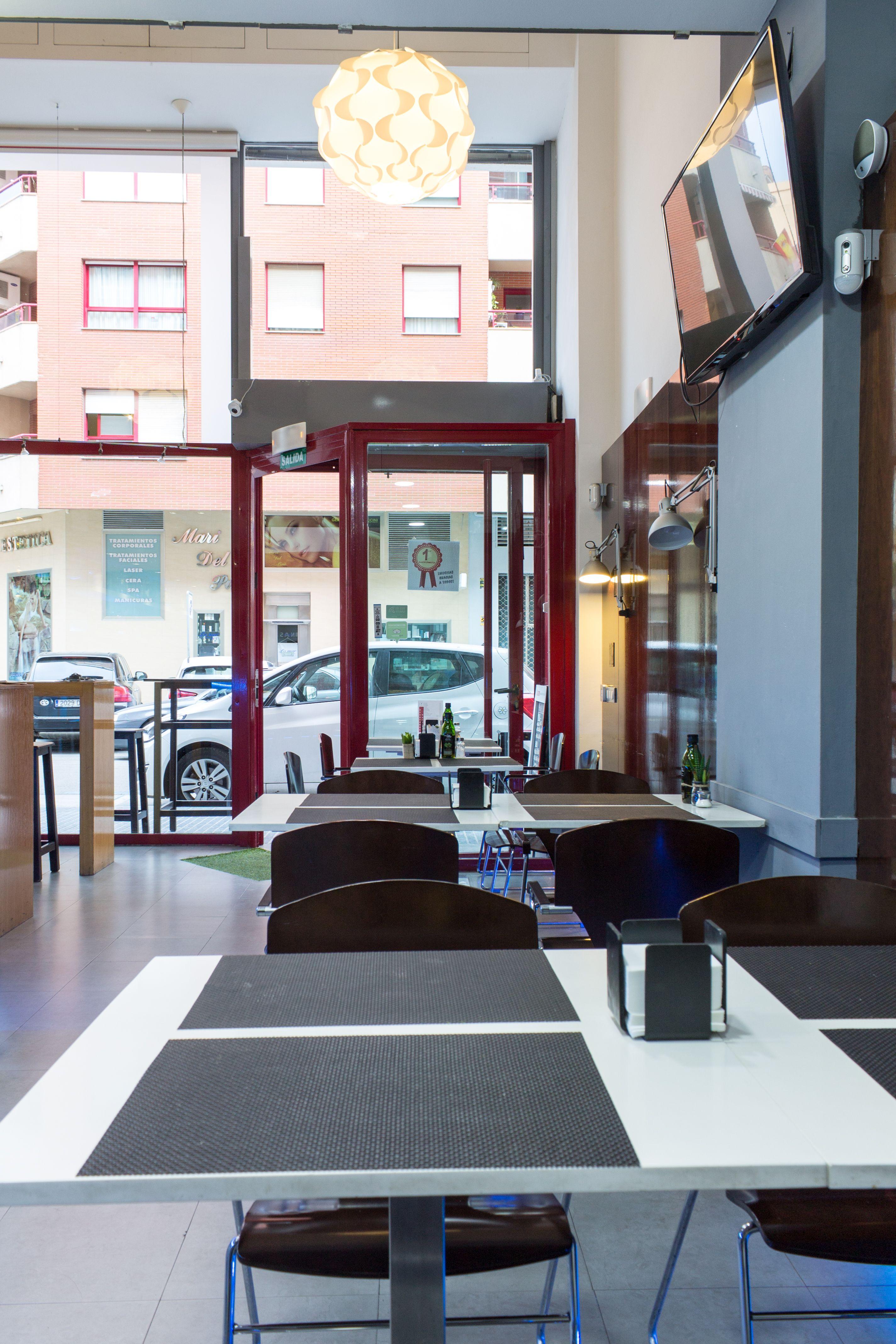 Gastrobar desayunos comidas y cenas en Málaga