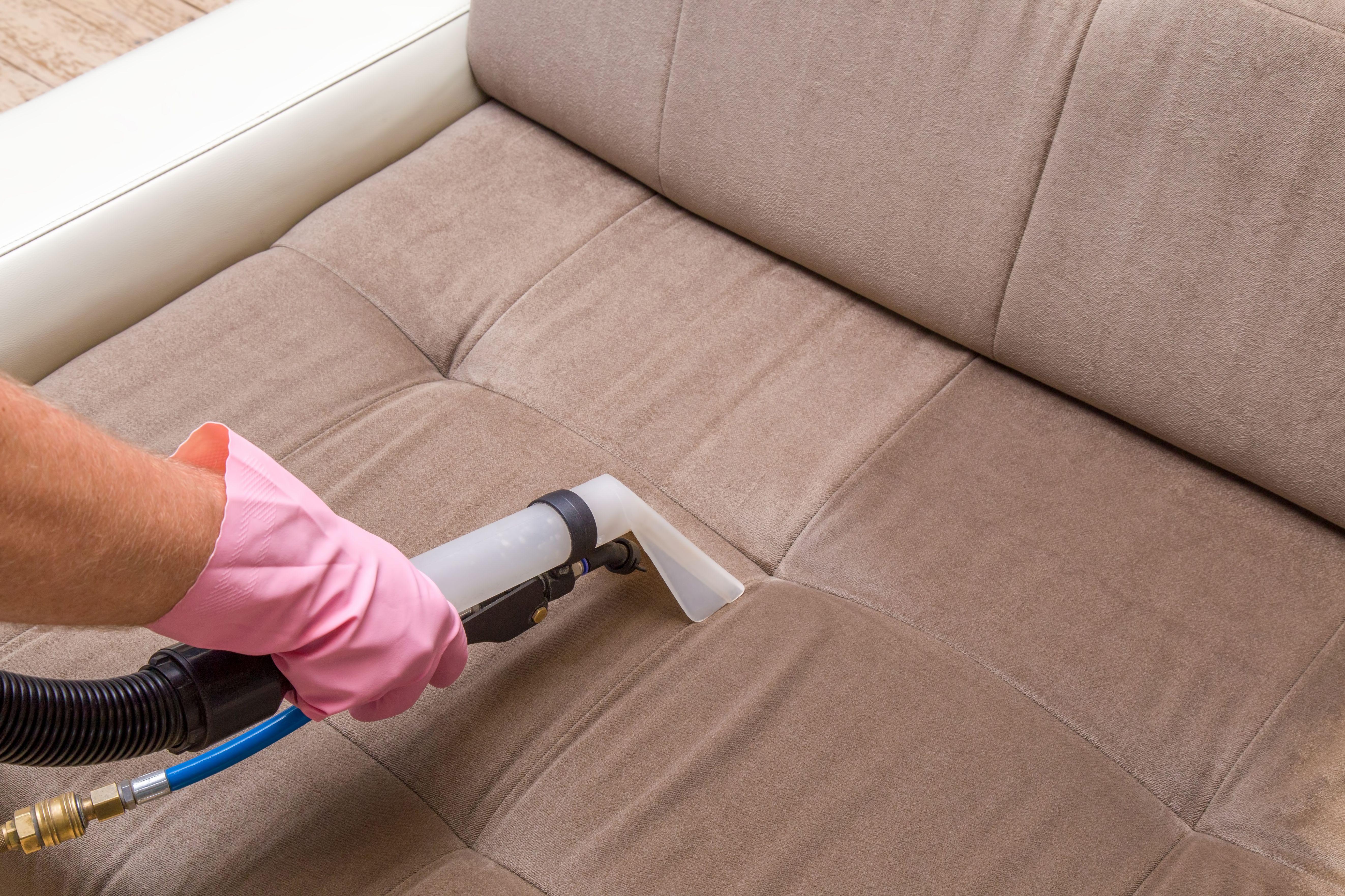 Limpieza de mobiliario