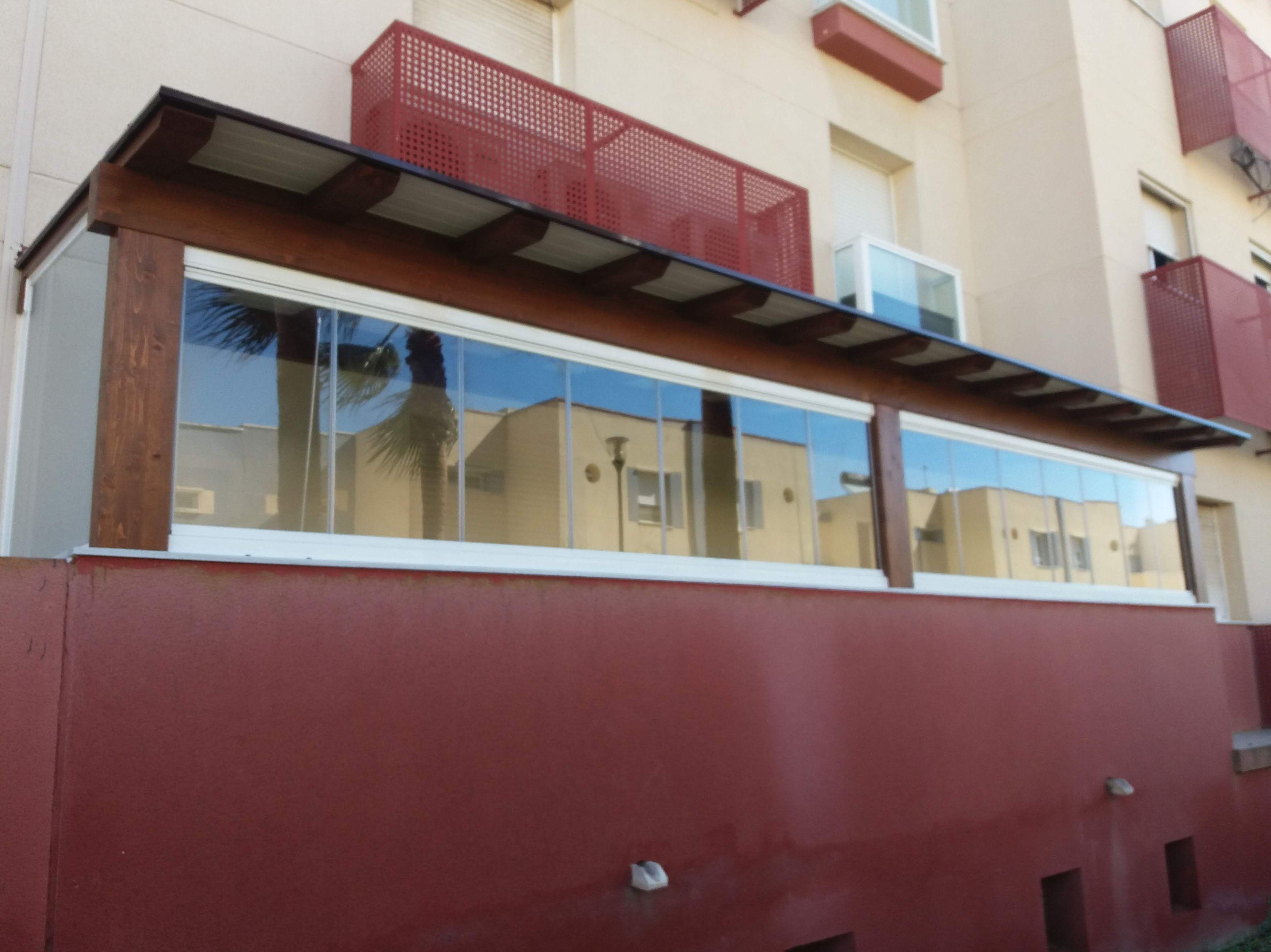 Foto 4 de Cerramientos y techos de cristal en El Ejido | Acristalamientos Diansa