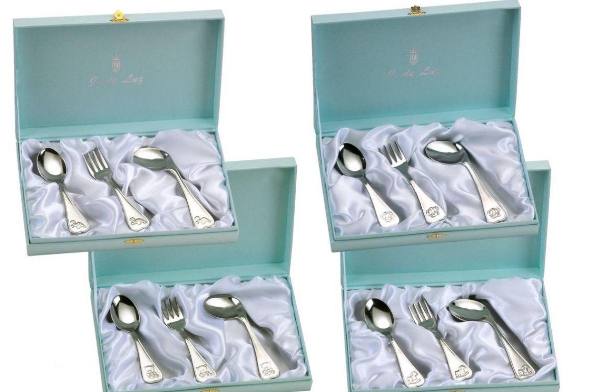 Cubiertos de plata de bebé para regalo