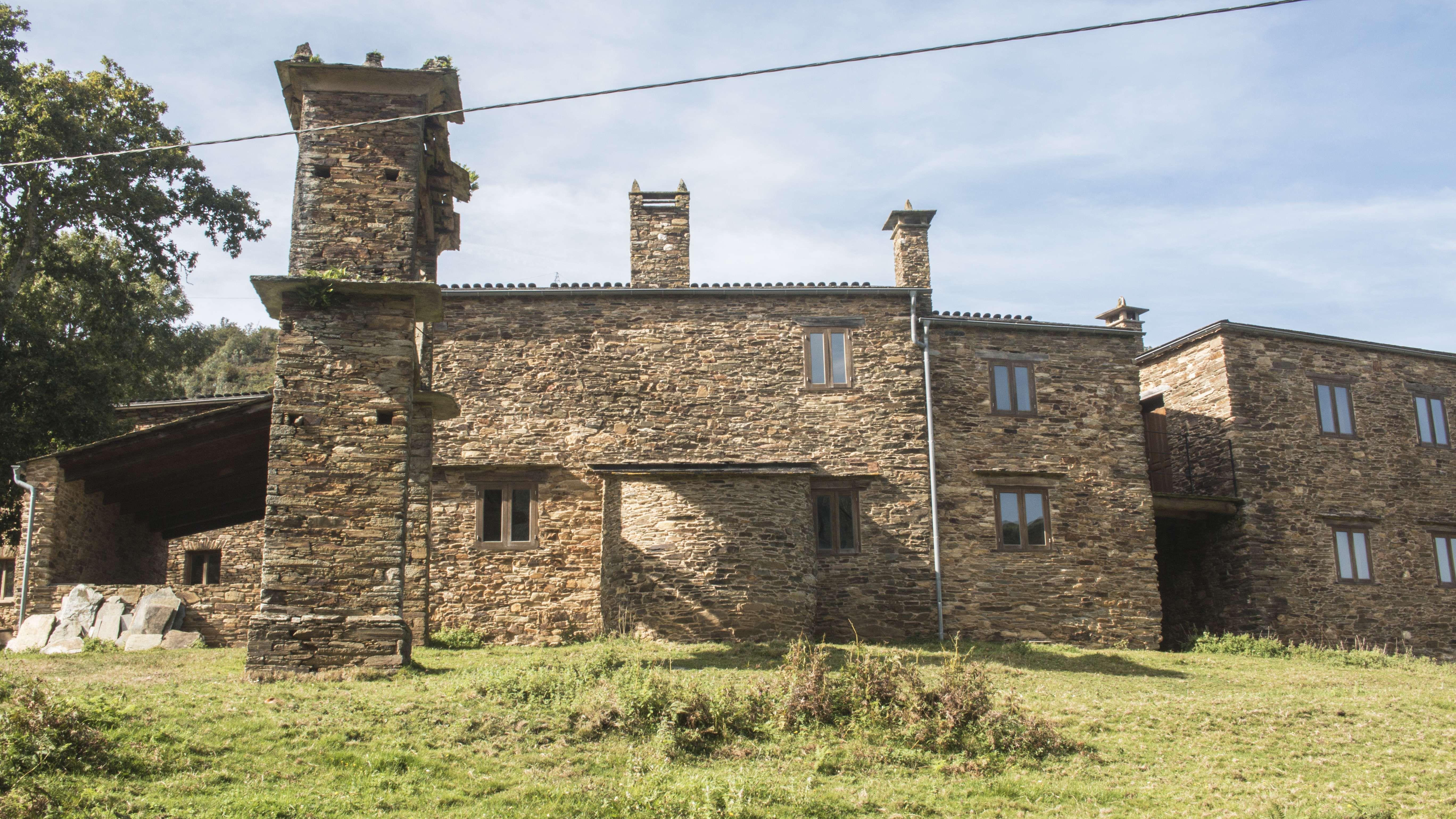 Estructuras rehabilitadas en Mondoñedo