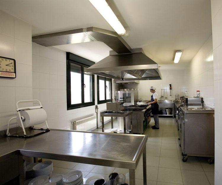 Interior de la cocina de nuestra residencia en Oviedo