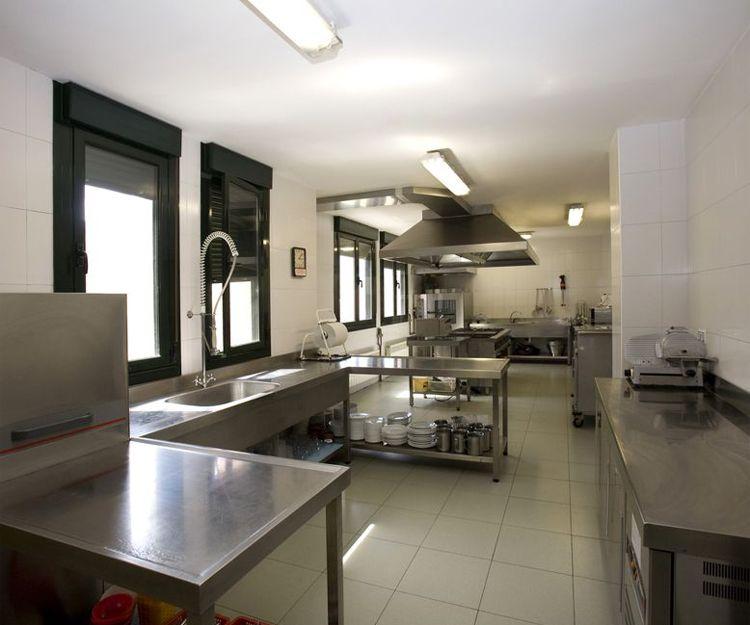 Cocina de nuestra residencia en Oviedo