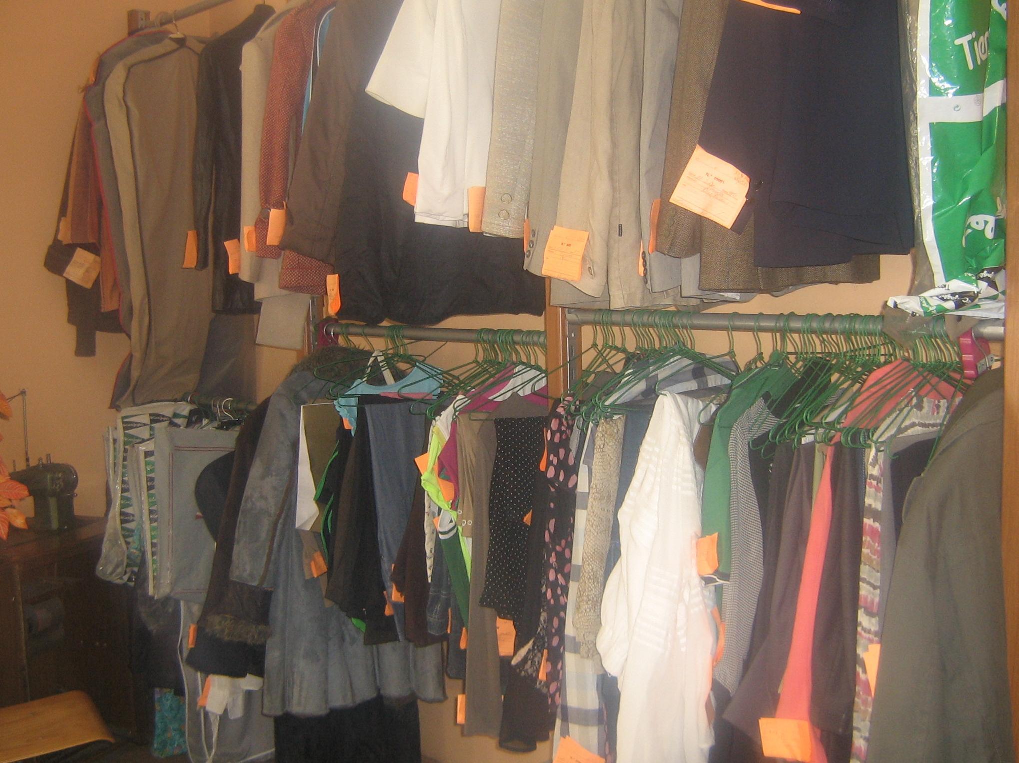 Foto 5 de Arreglos de ropa y piel en Zaragoza | Arreglos Vistebién