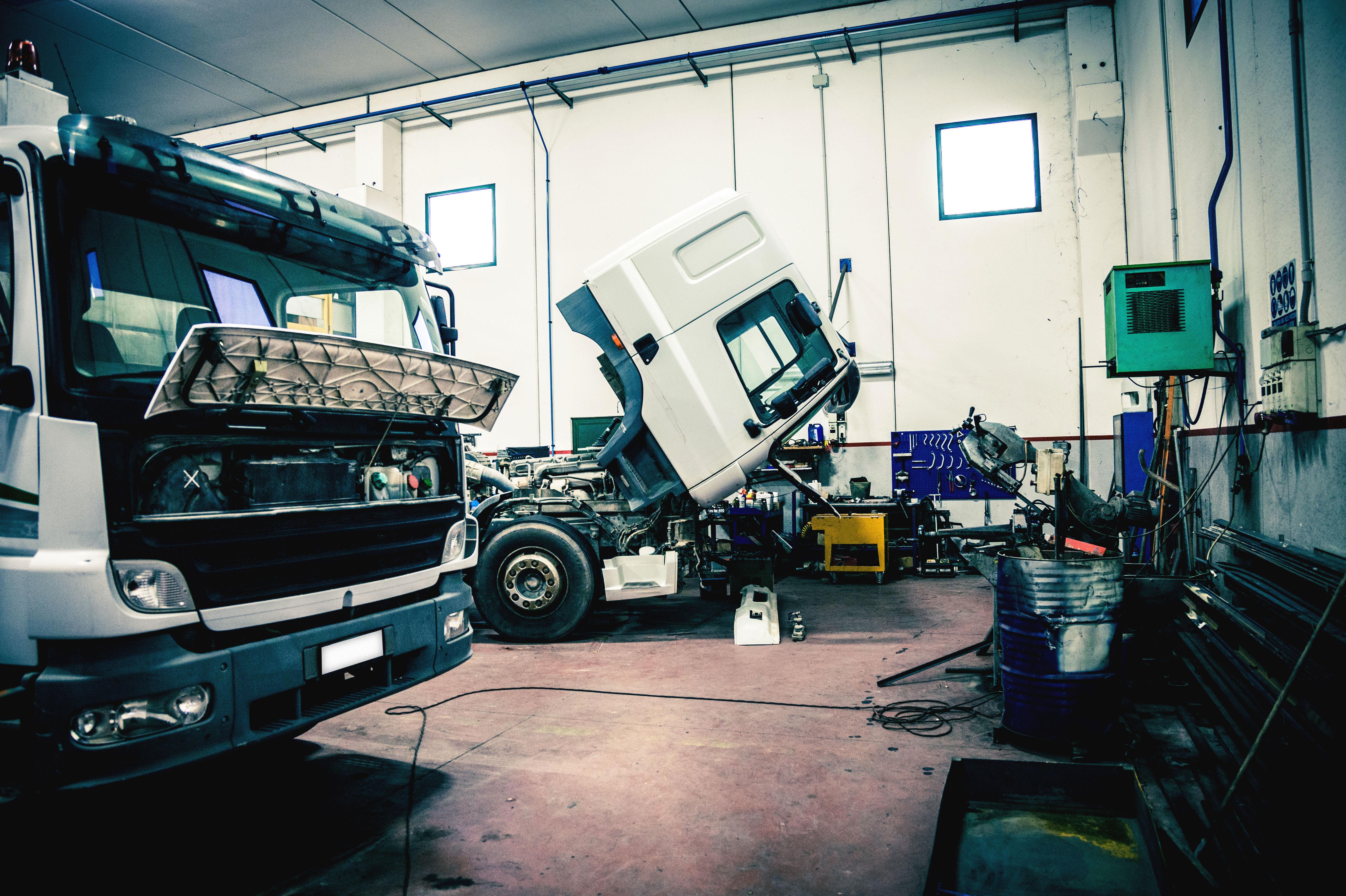 Taller mecánico especializado en vehículos industriales