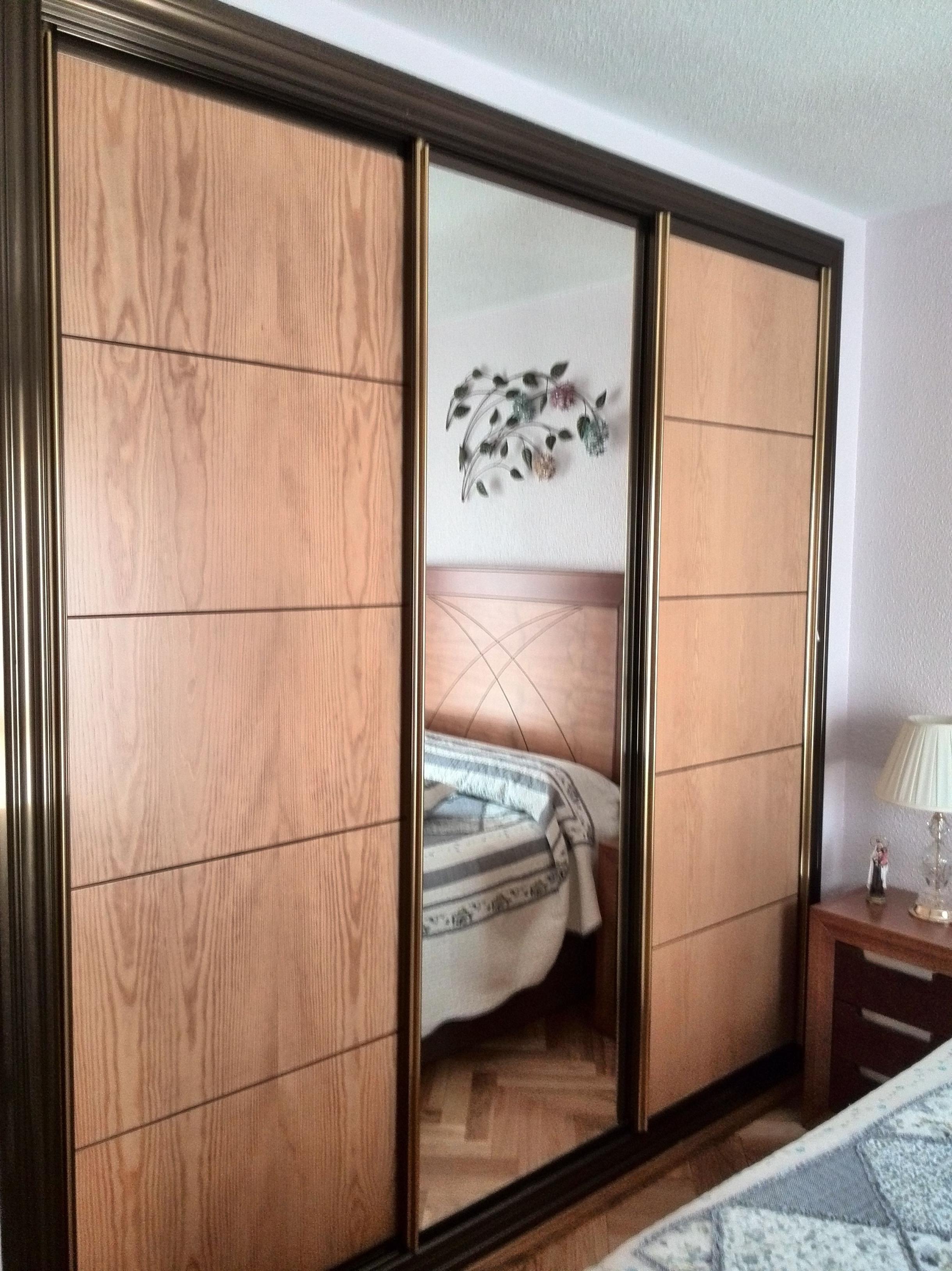 Muebles a medida madrid baratos carpinteria madera y arte for Armarios de madera baratos