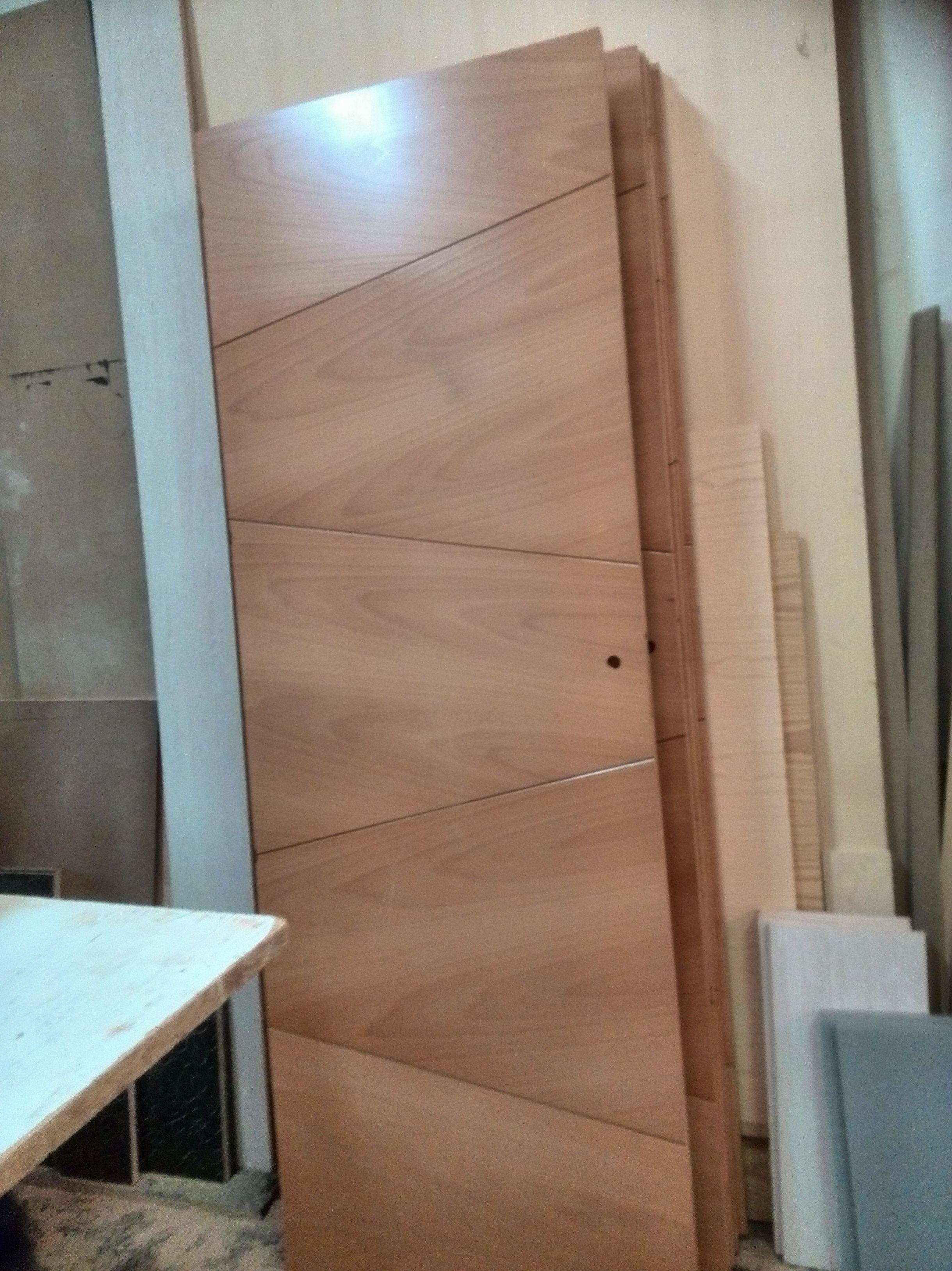 Puerta de paso en madera de haya