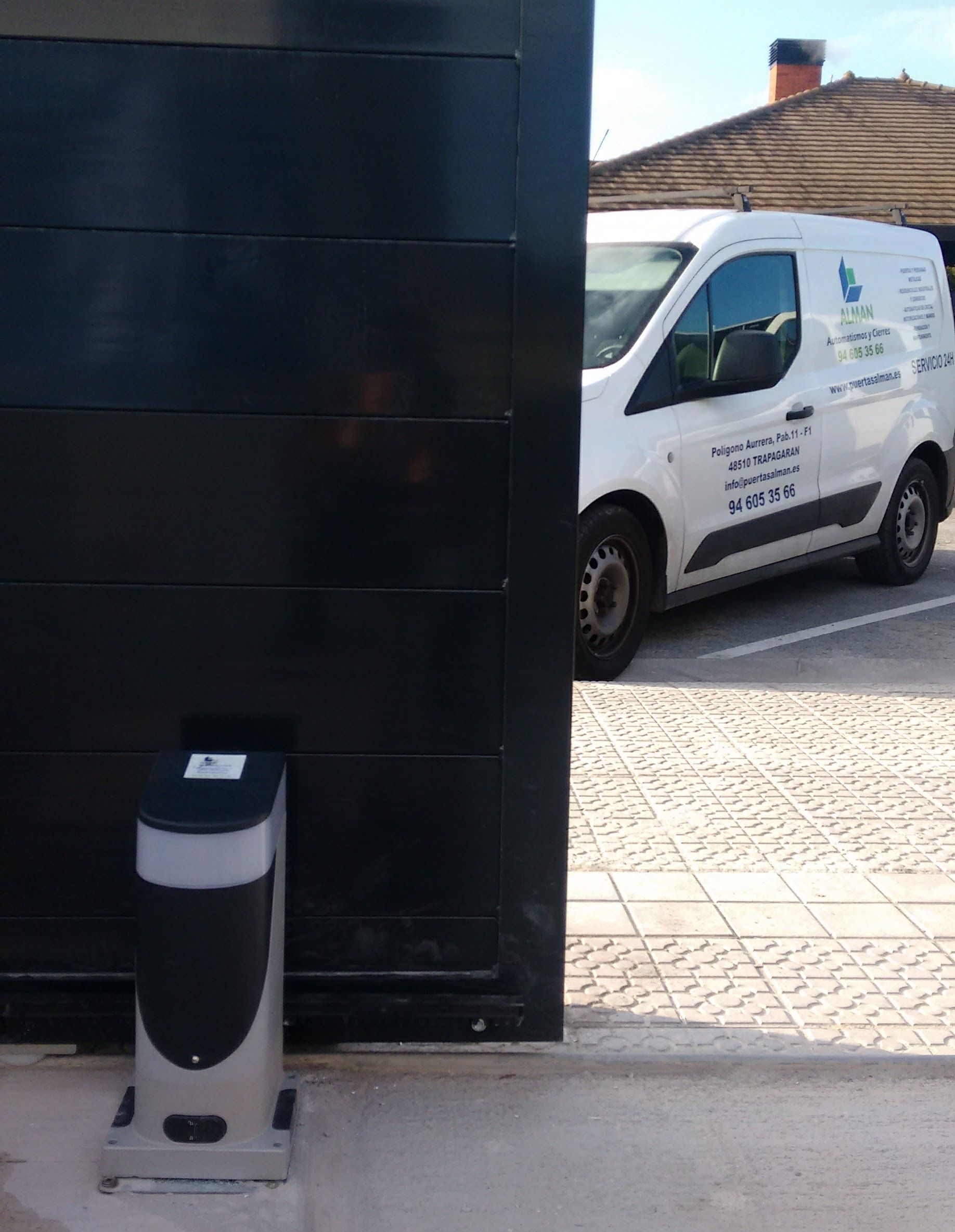 Foto 41 de Puertas automáticas en Trapagaran | Automatismos y Cierres Alman