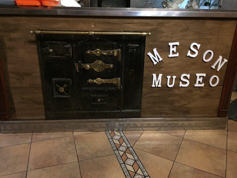 Acude al Mesón Museo