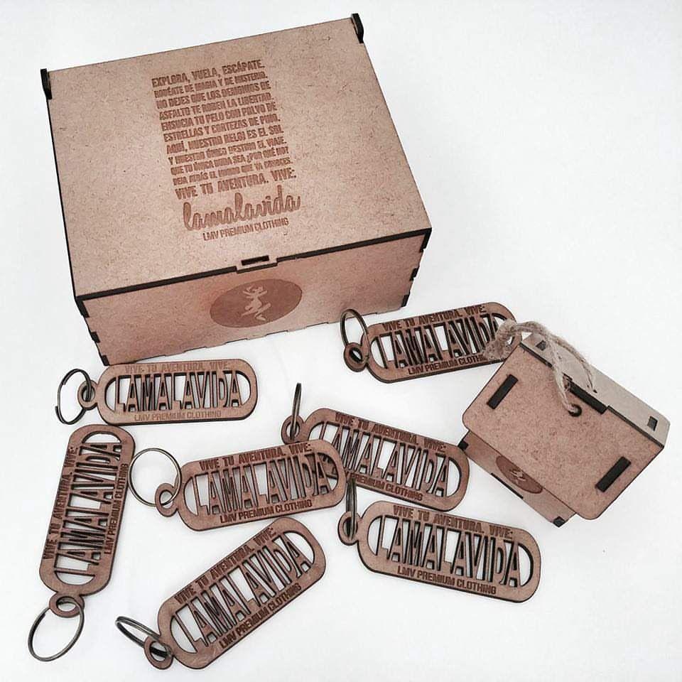 l Packaging y merchandising en corte y grabado laser para @lamalavida_lmv