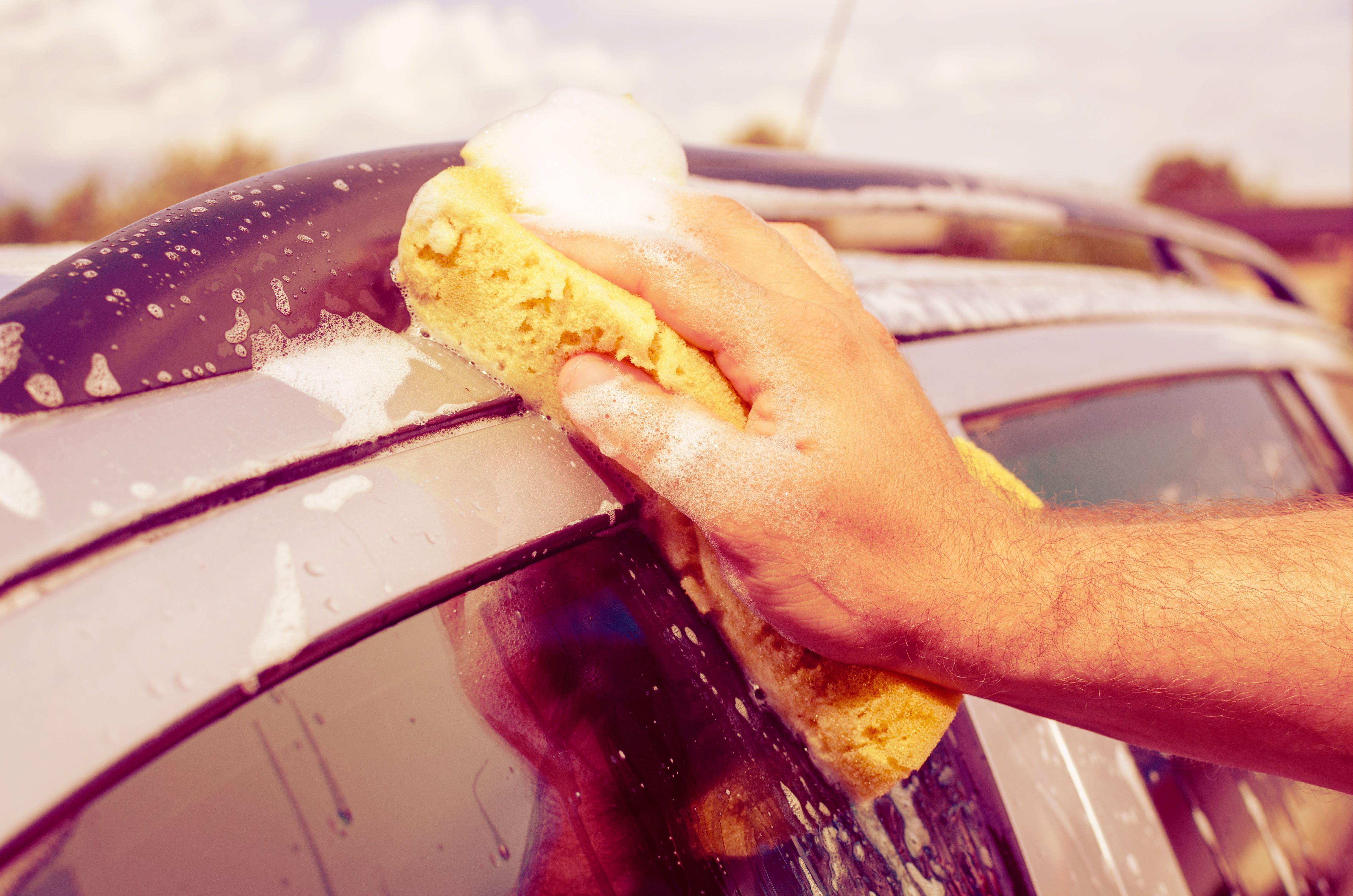 Lavado manual de vehiculos: Servicios de Hogar del Taxista