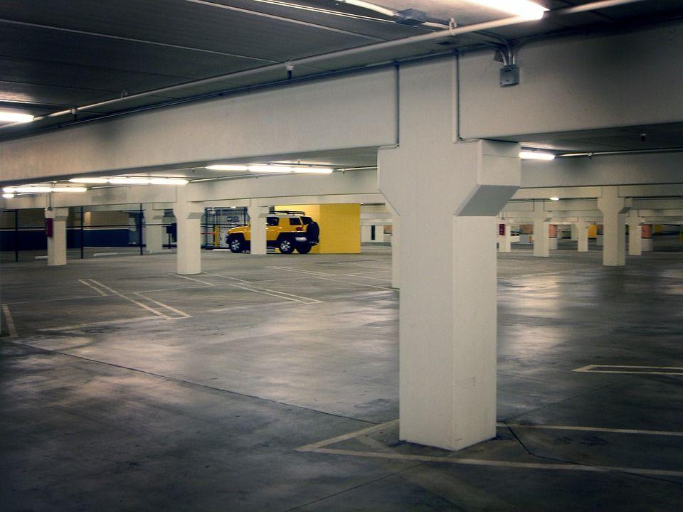 Parking propio: Servicios de Hogar del Taxista
