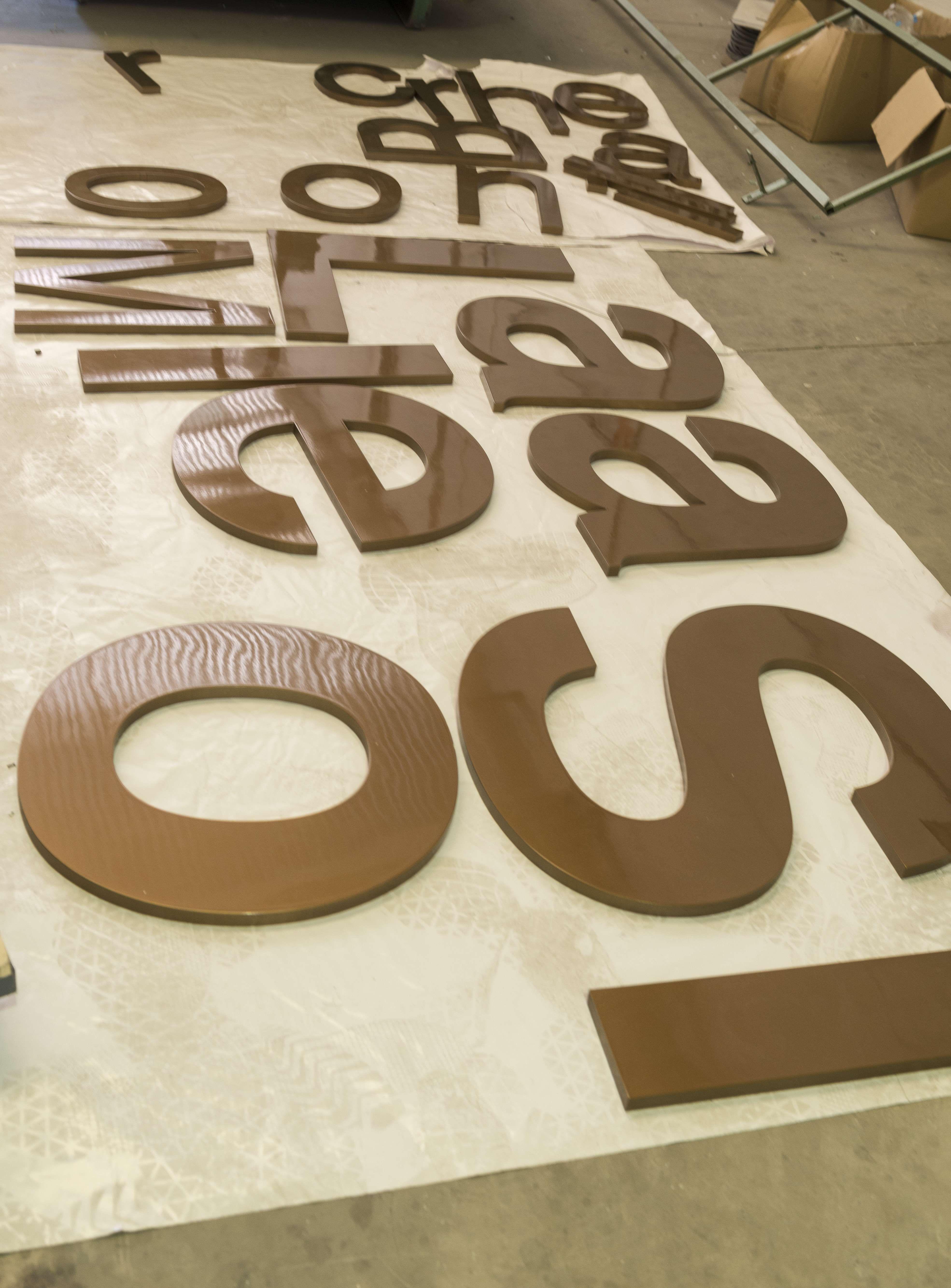 Gran variedad de letras corpóreas